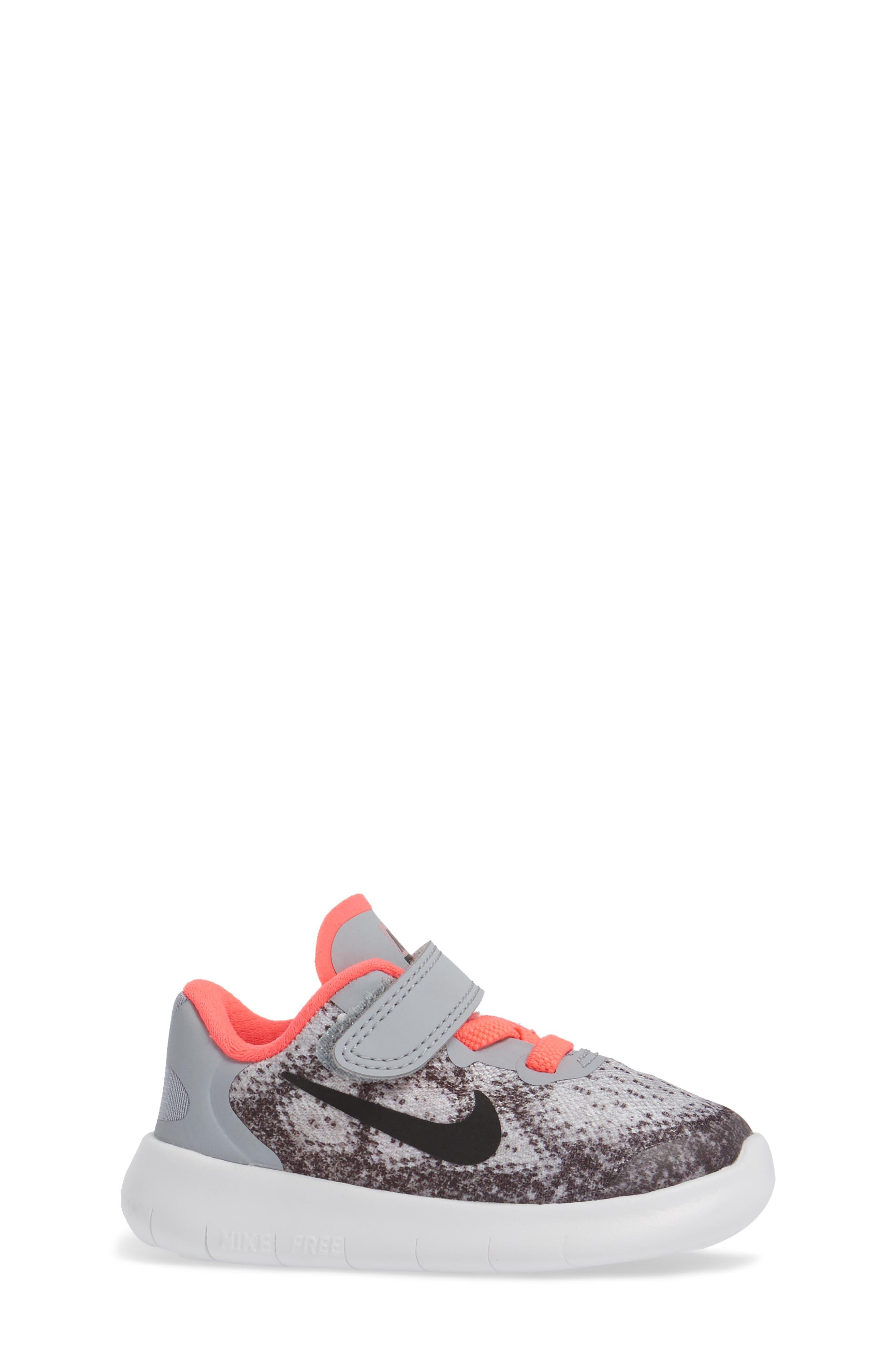 Free Run 2017 Sneaker,                             Alternate thumbnail 3, color,                             020