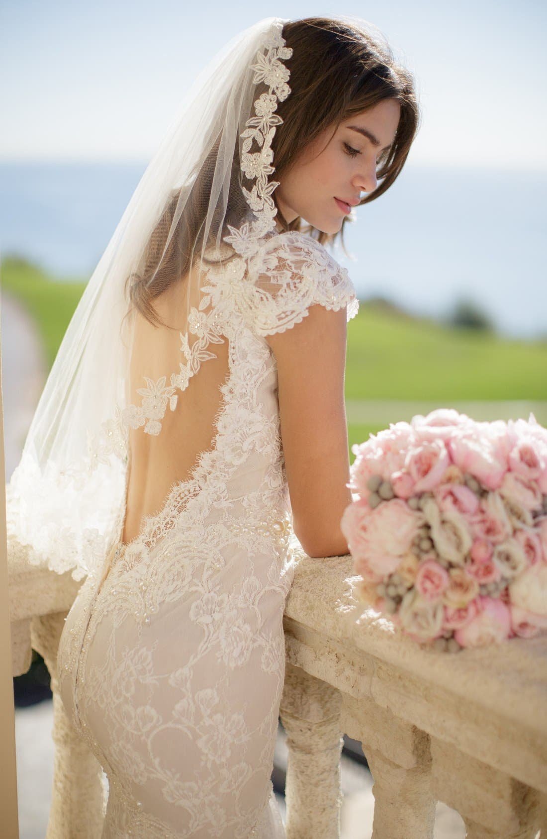 'Angelina' Lace Trim Tulle Veil,                             Alternate thumbnail 4, color,                             IVORY