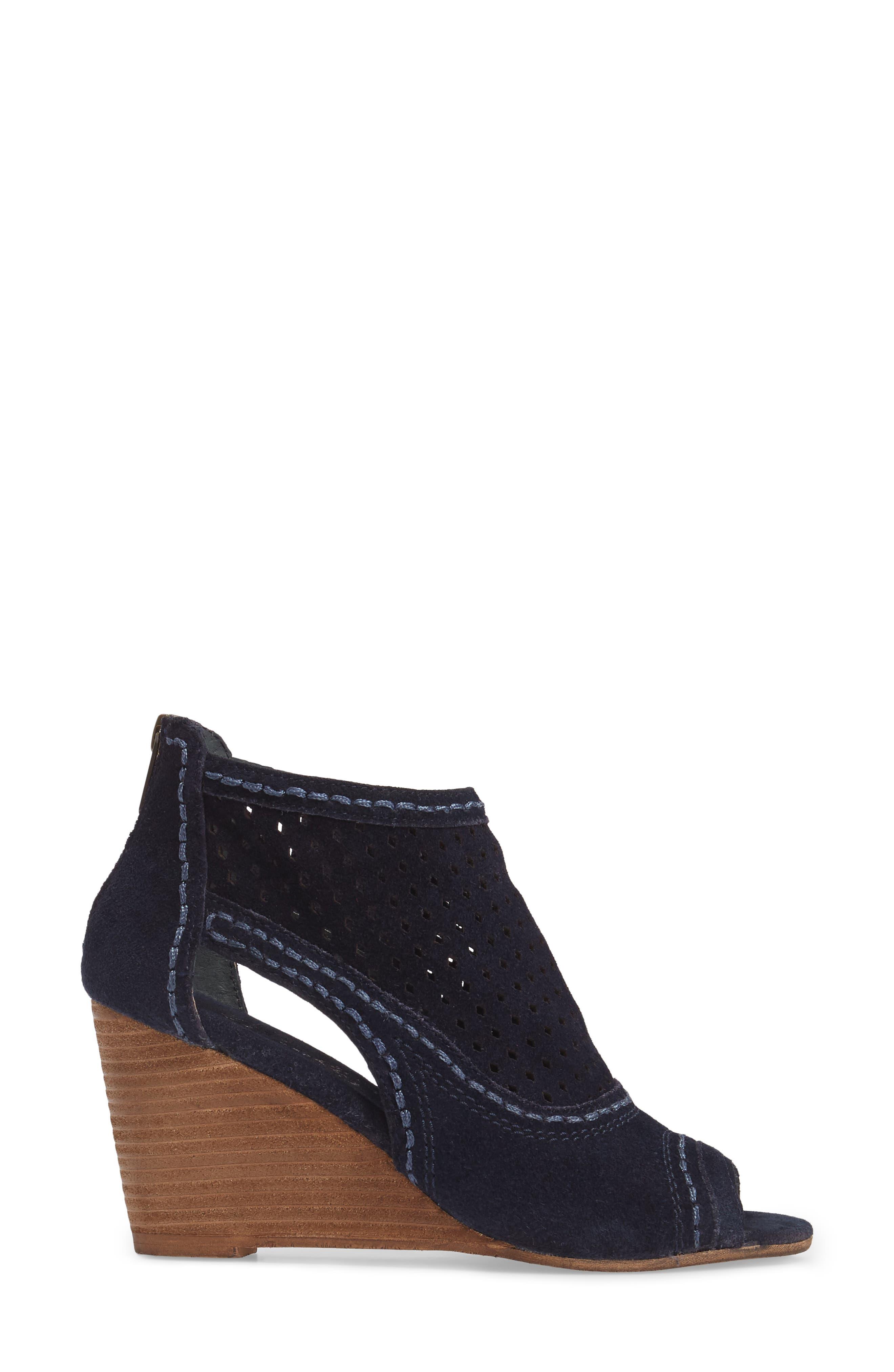 Sharon Perforated Wedge Sandal,                             Alternate thumbnail 6, color,