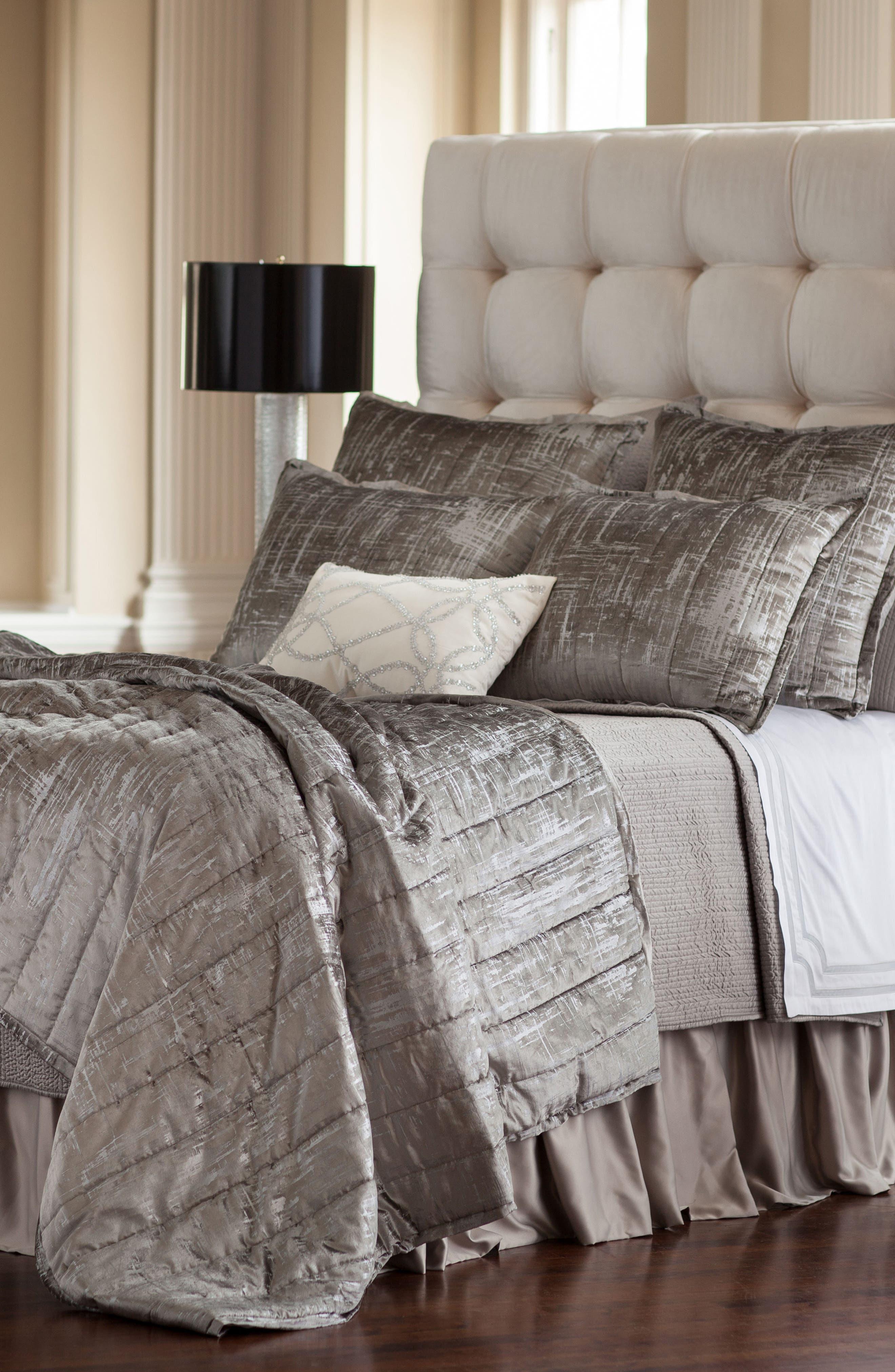 Moderne Quilted Blanket,                         Main,                         color, SILVER