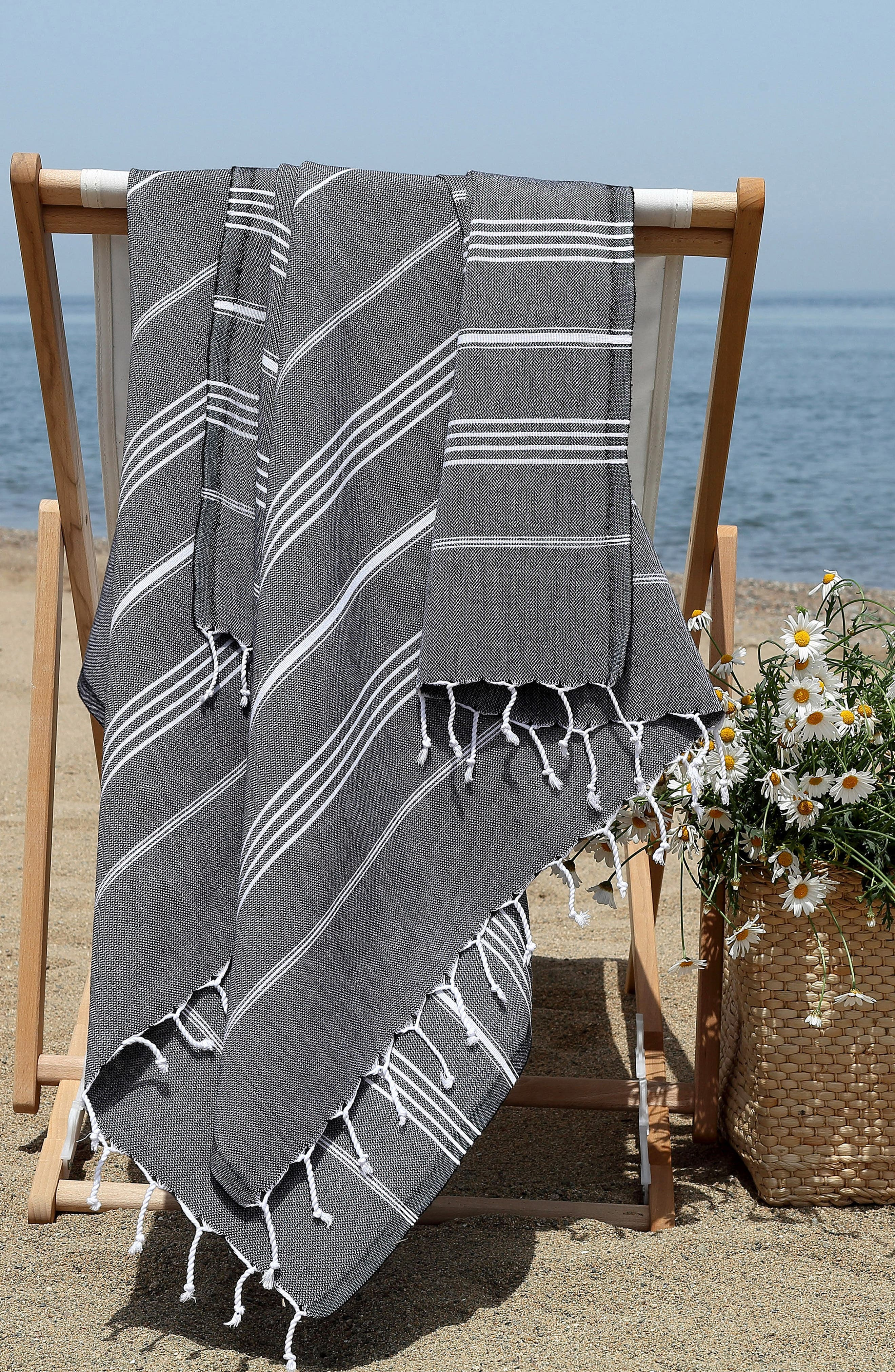 'Lucky' Turkish Pestemal Towel,                             Alternate thumbnail 7, color,                             BLACK