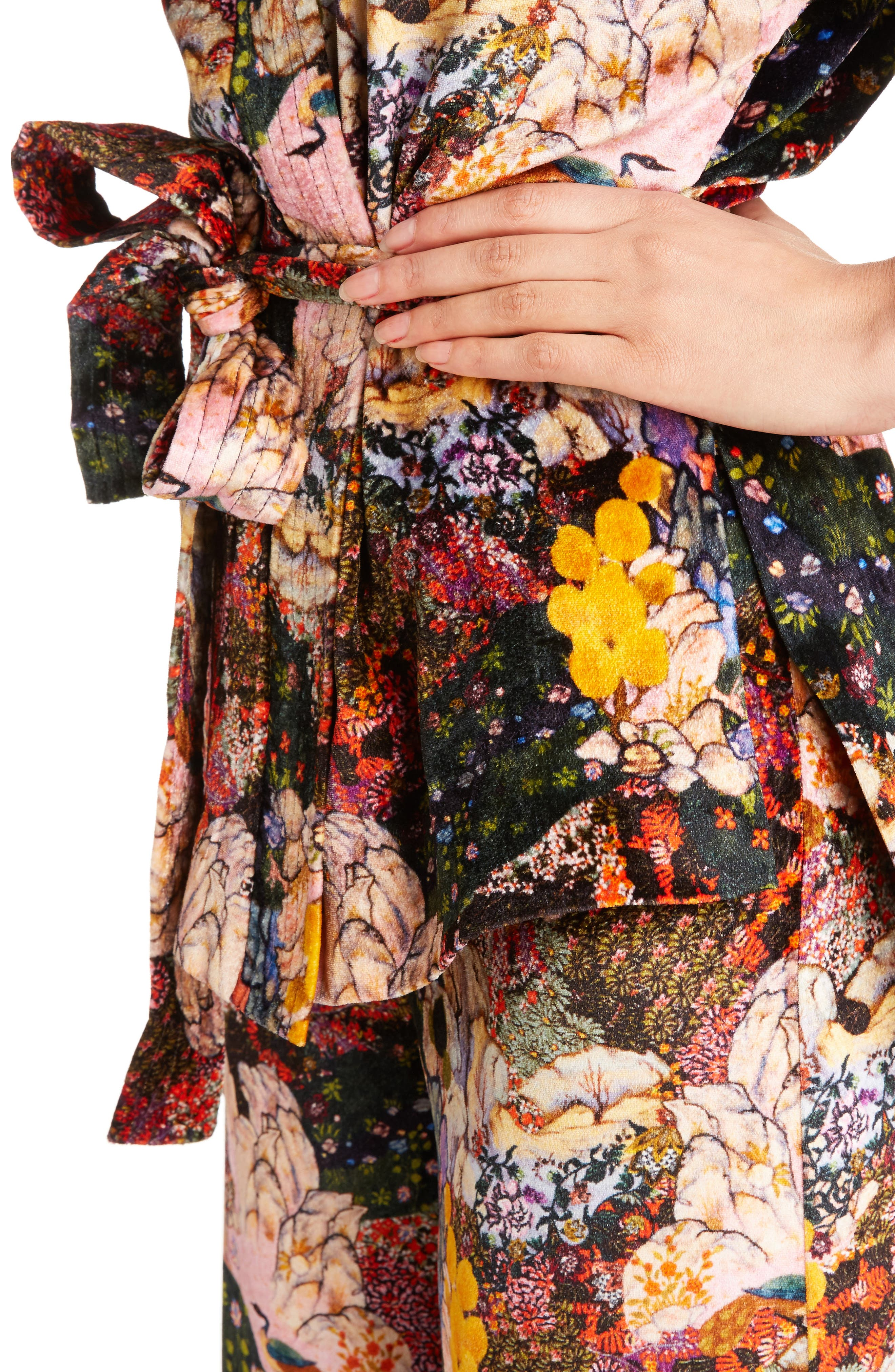 Zeta Floral Print Velvet Kimono Wrap Jacket,                             Alternate thumbnail 4, color,                             650