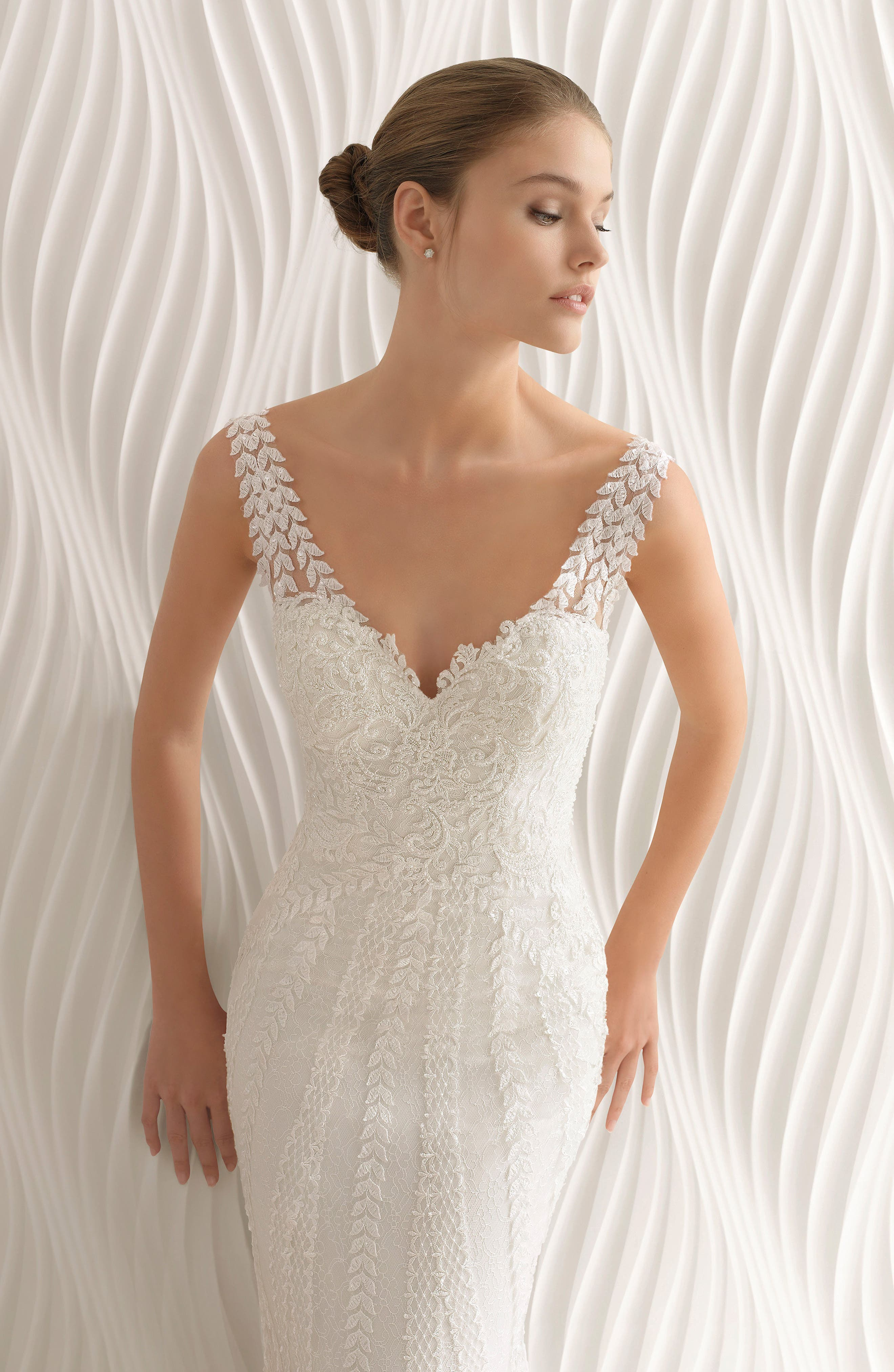 Rosa Clará Adelfa Embellished Lace Mermaid Gown,                             Alternate thumbnail 4, color,                             NATURAL