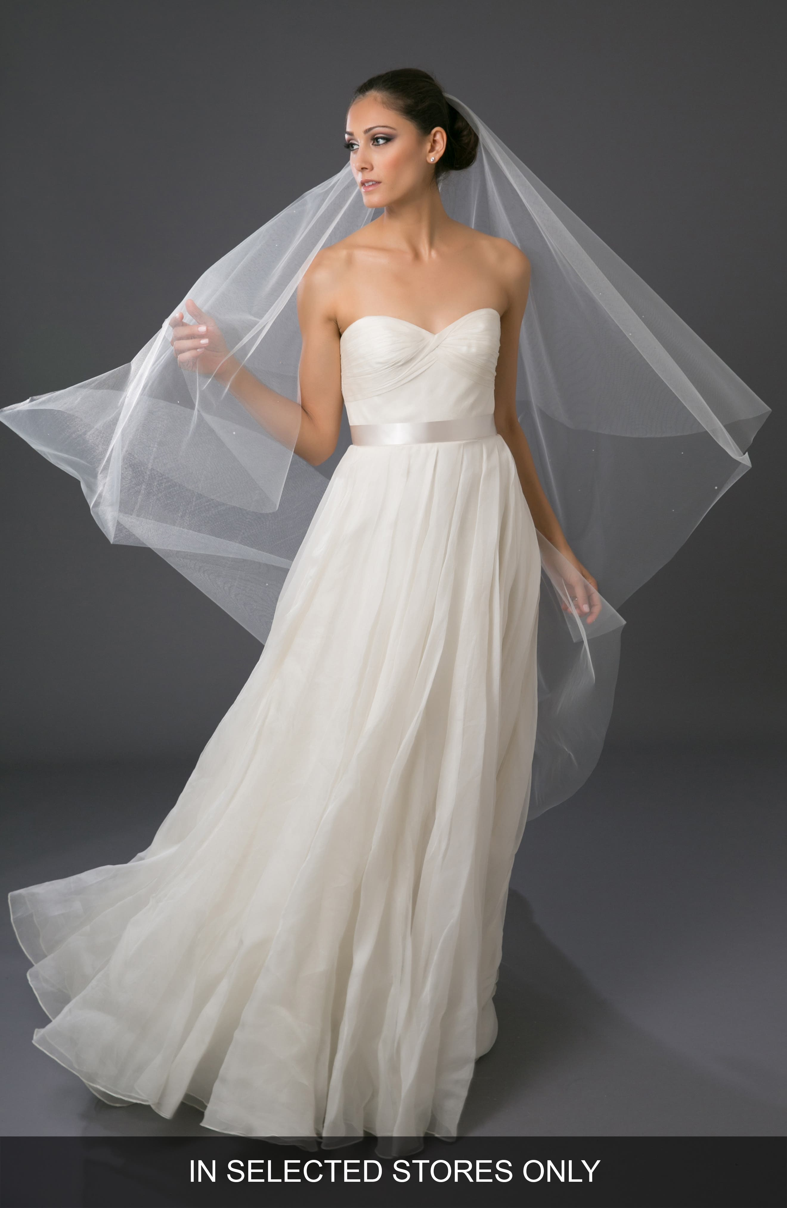 'Chakra' Circle Cut Waltz Length Veil,                             Alternate thumbnail 4, color,                             LIGHT IVORY