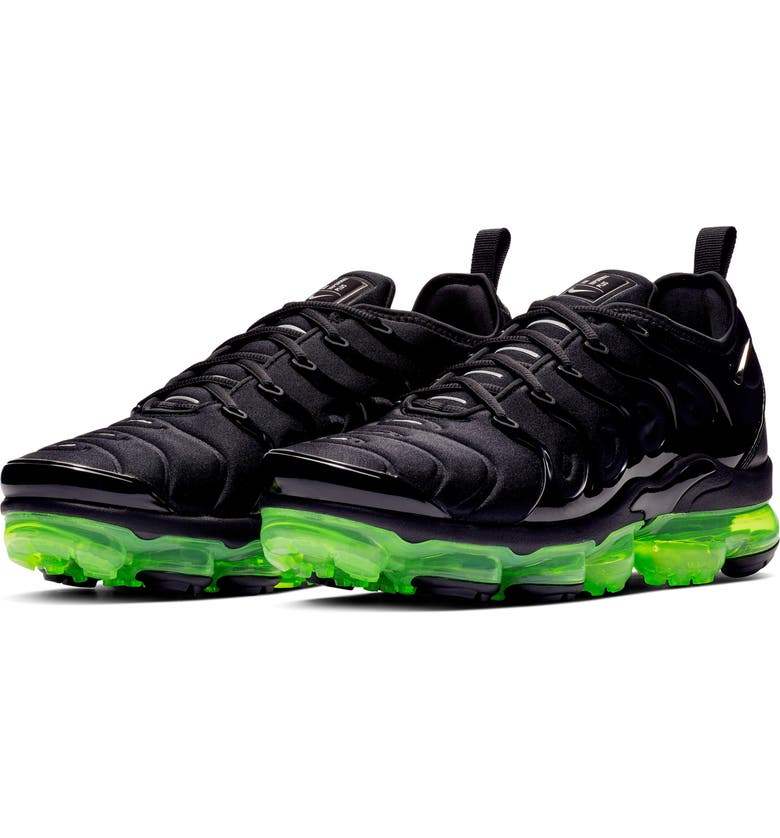 5b44749f0a00d Nike Air VaporMax Plus Sneaker (Men)