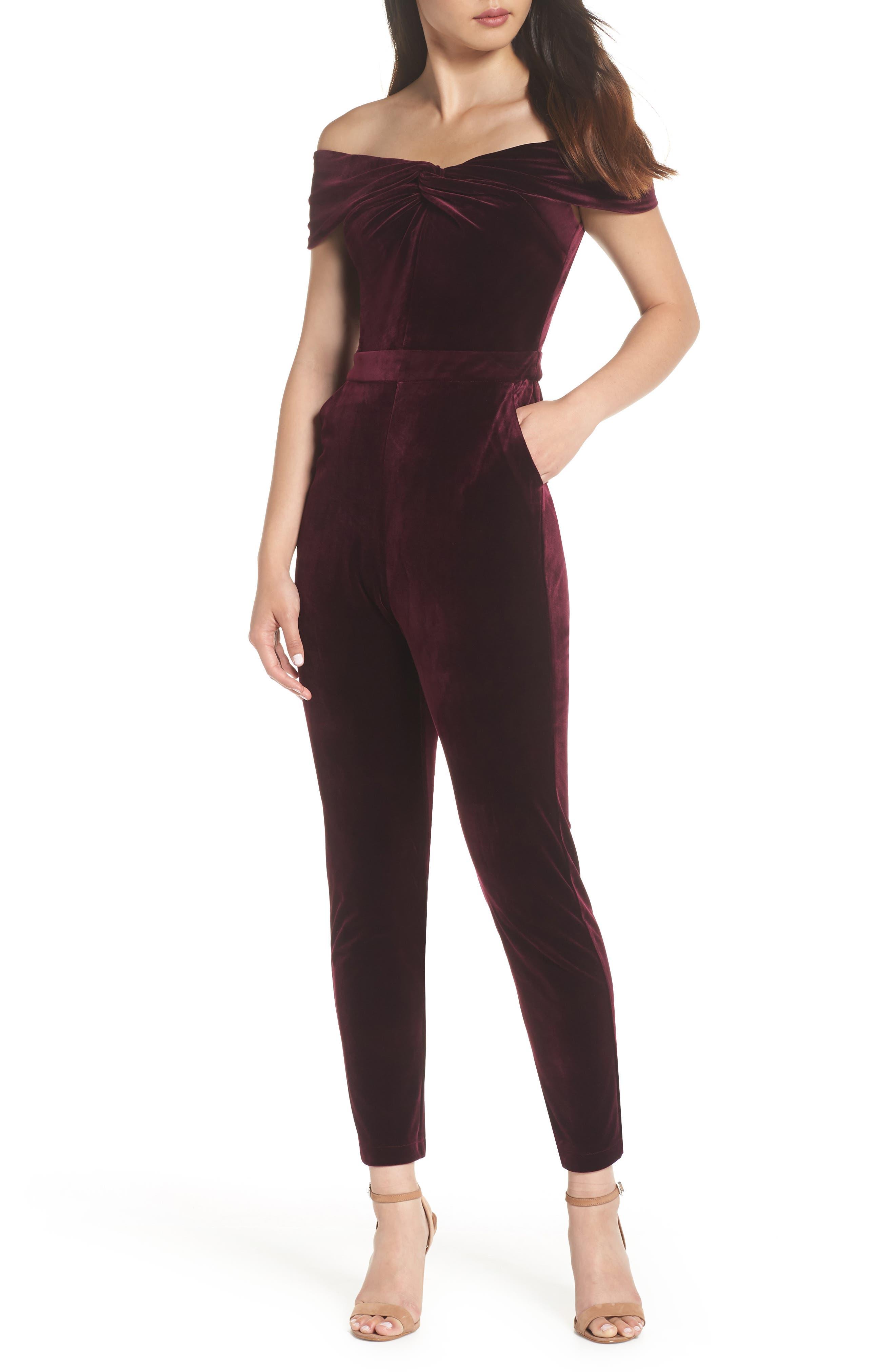 ADELYN RAE Liv Off The Shoulder Velvet Jumpsuit in Wine