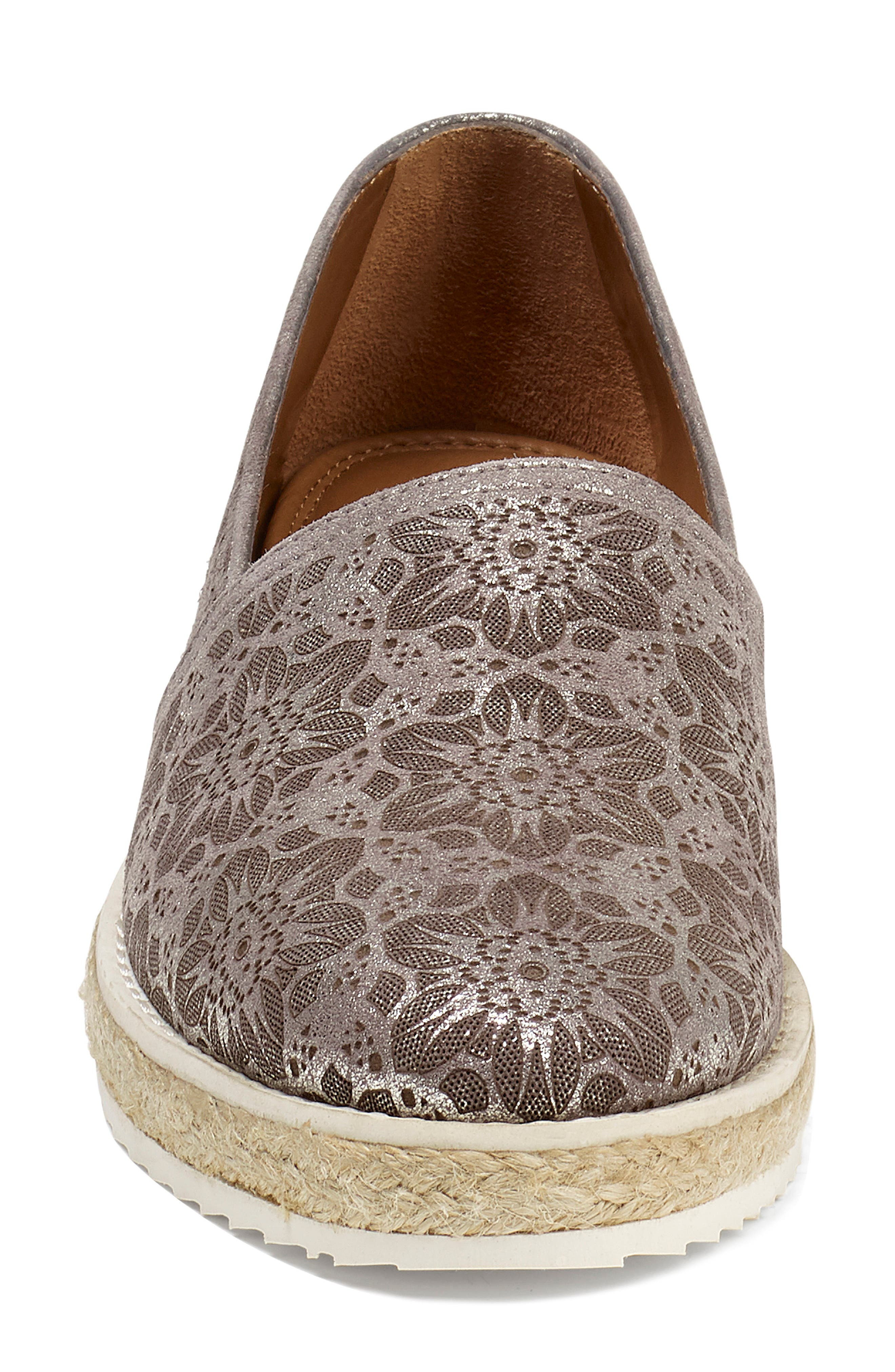 Cailyn Flat,                             Alternate thumbnail 4, color,                             PEWTER METALLIC SUEDE