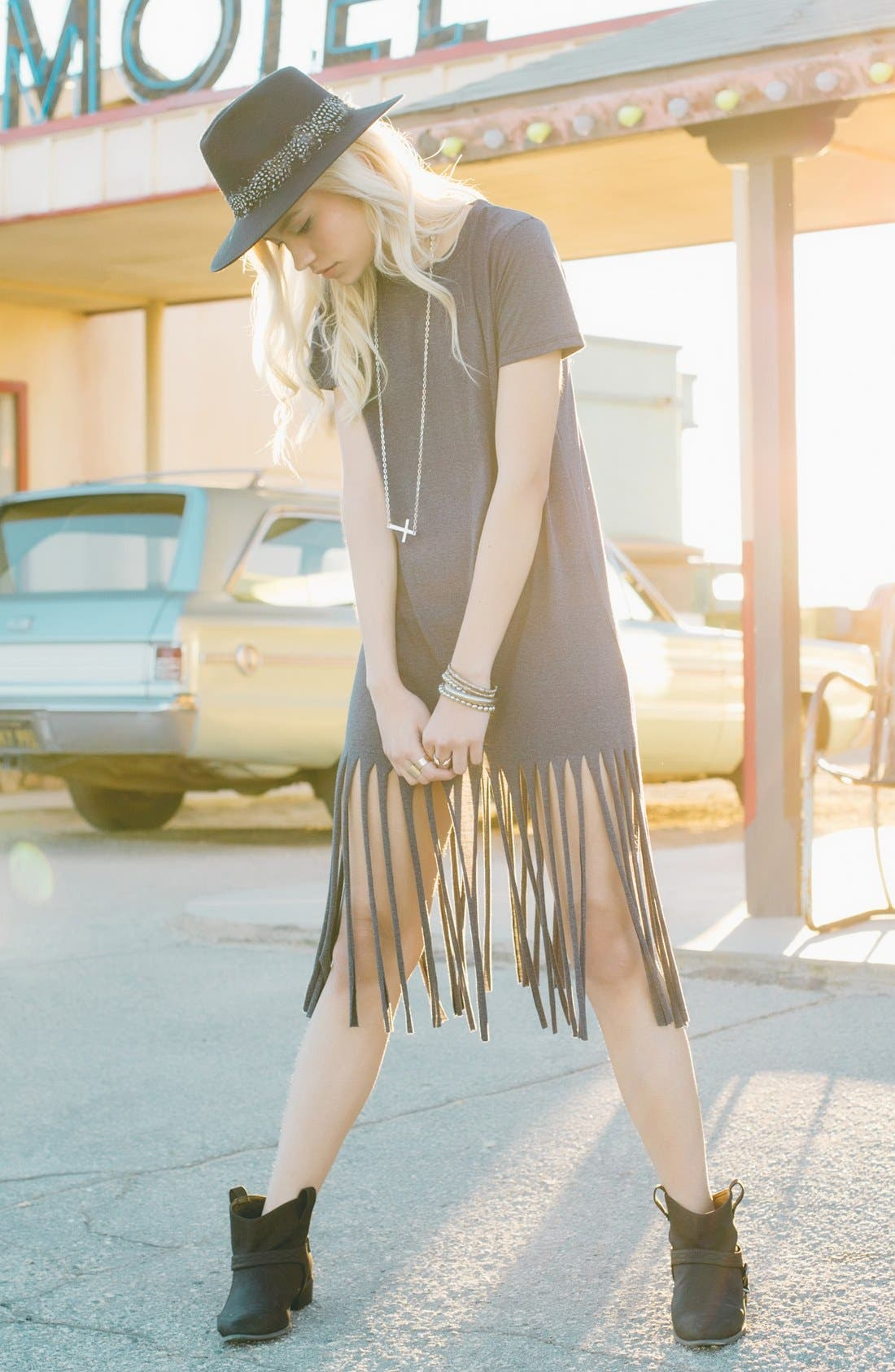 MISSGUIDED,                             Fringe T-Shirt Dress,                             Alternate thumbnail 3, color,                             021