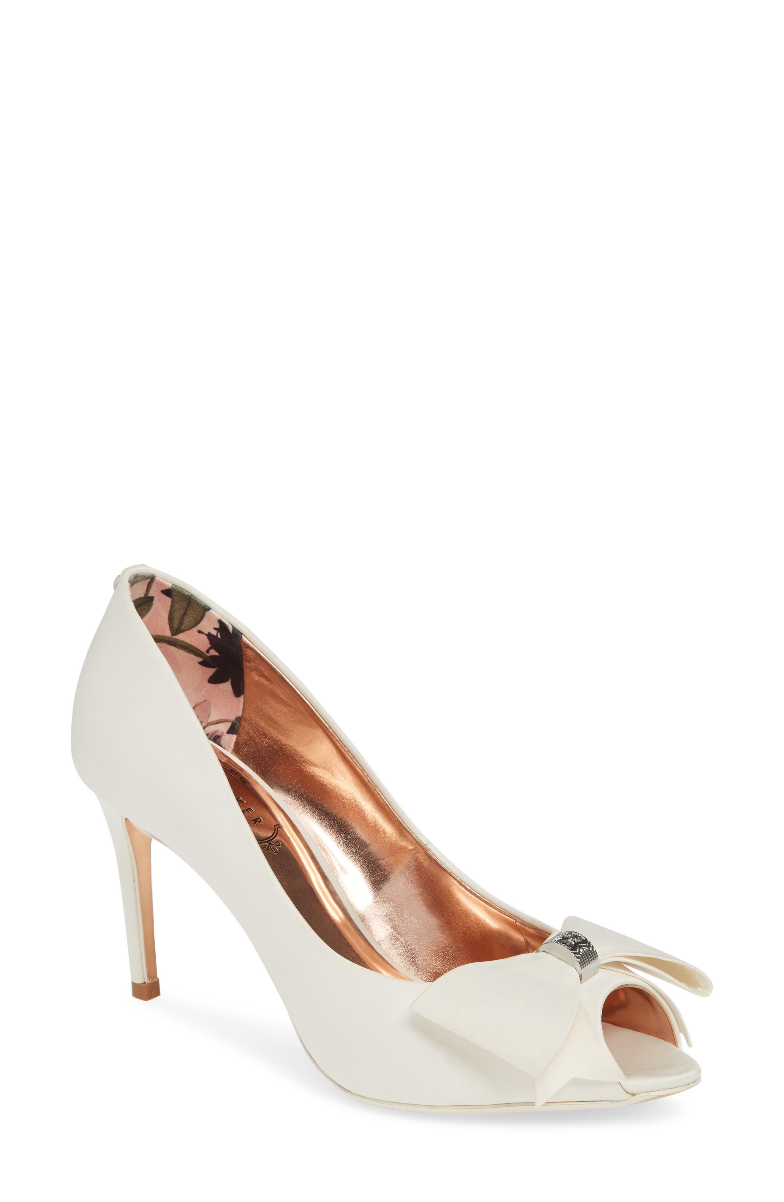 Shoes, secured! : weddingplanning
