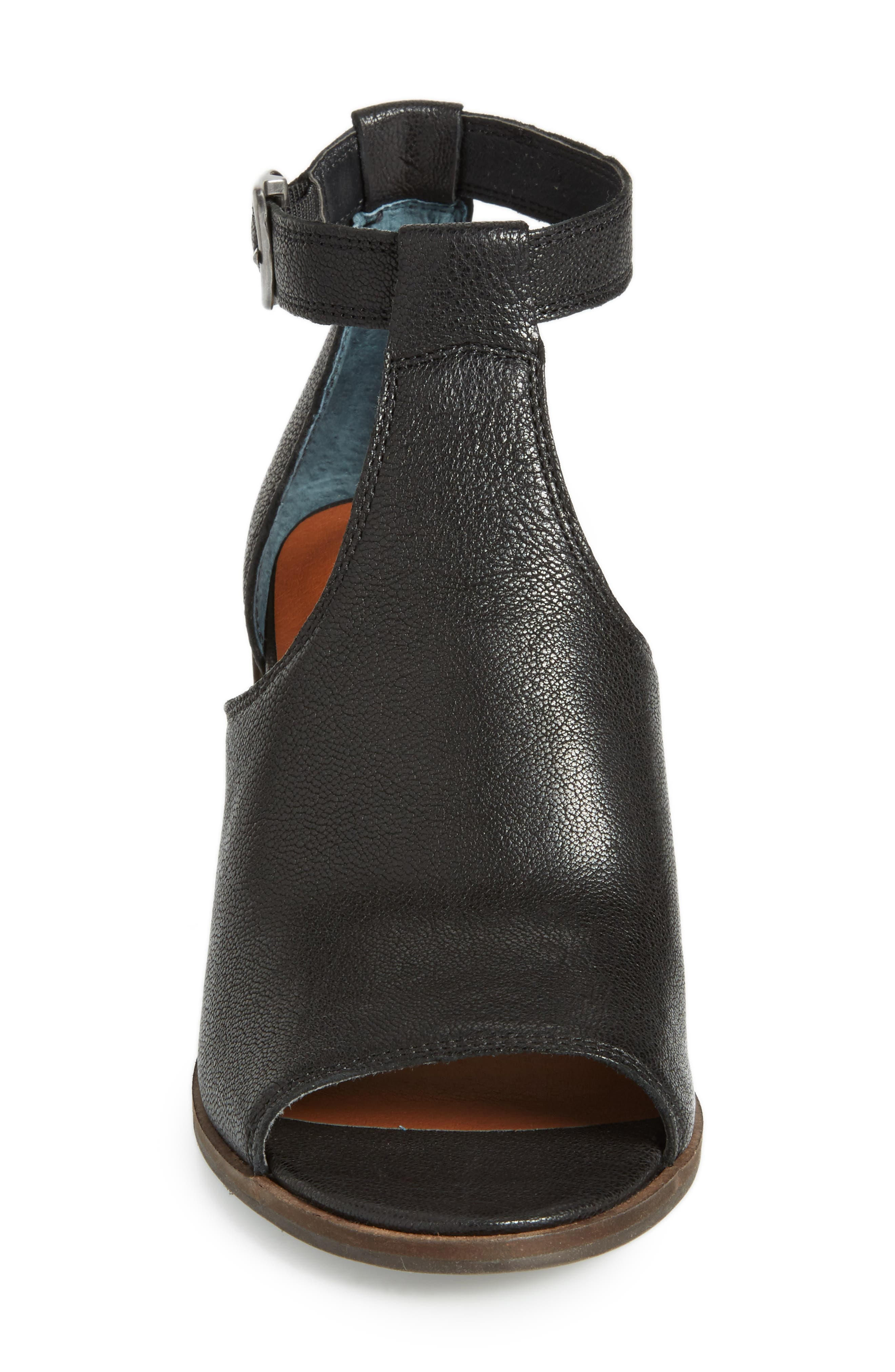 Kadian Block Heel Sandal,                             Alternate thumbnail 7, color,