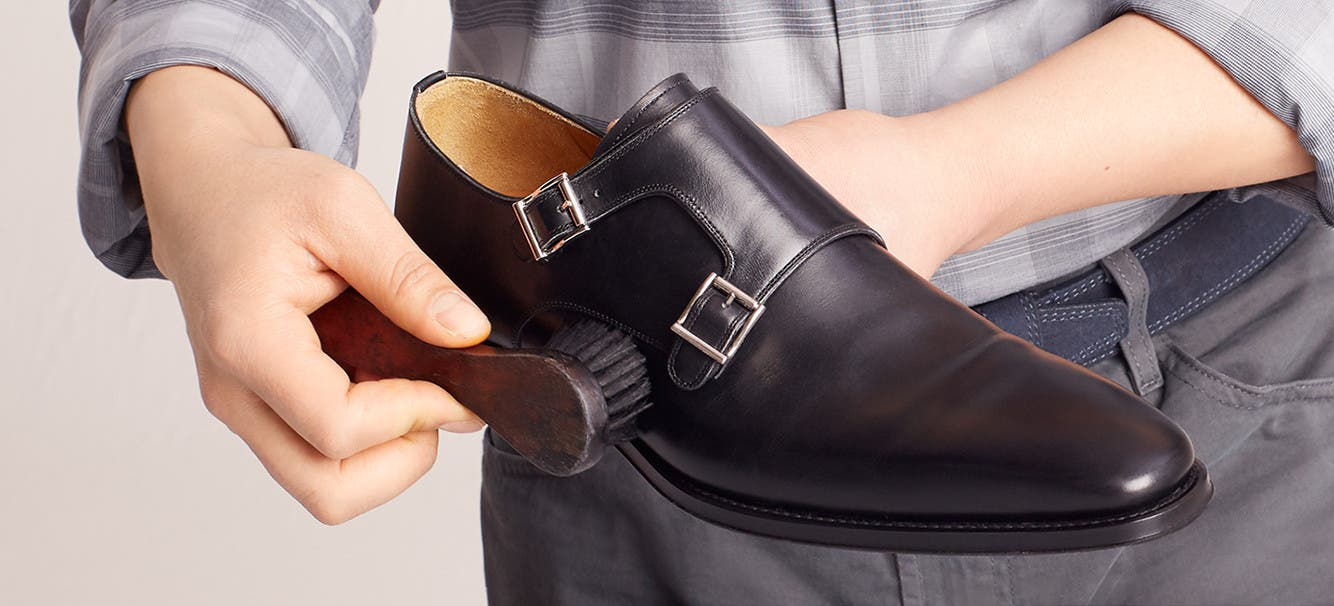 Play About How To Clean And Polish Leather Shoes