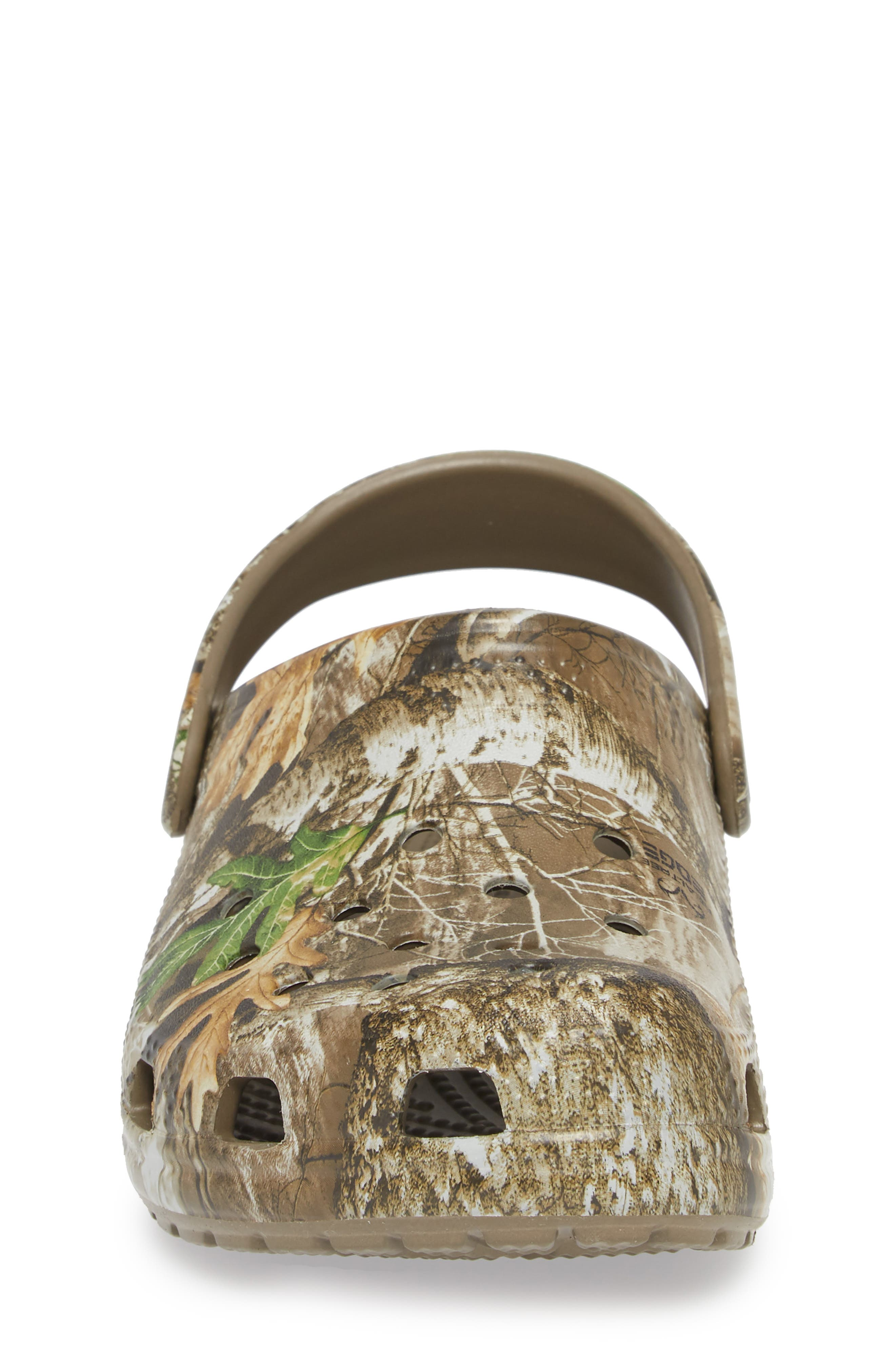 Realtree<sup>®</sup> Edge Print Classic Clog,                             Alternate thumbnail 4, color,                             WALNUT
