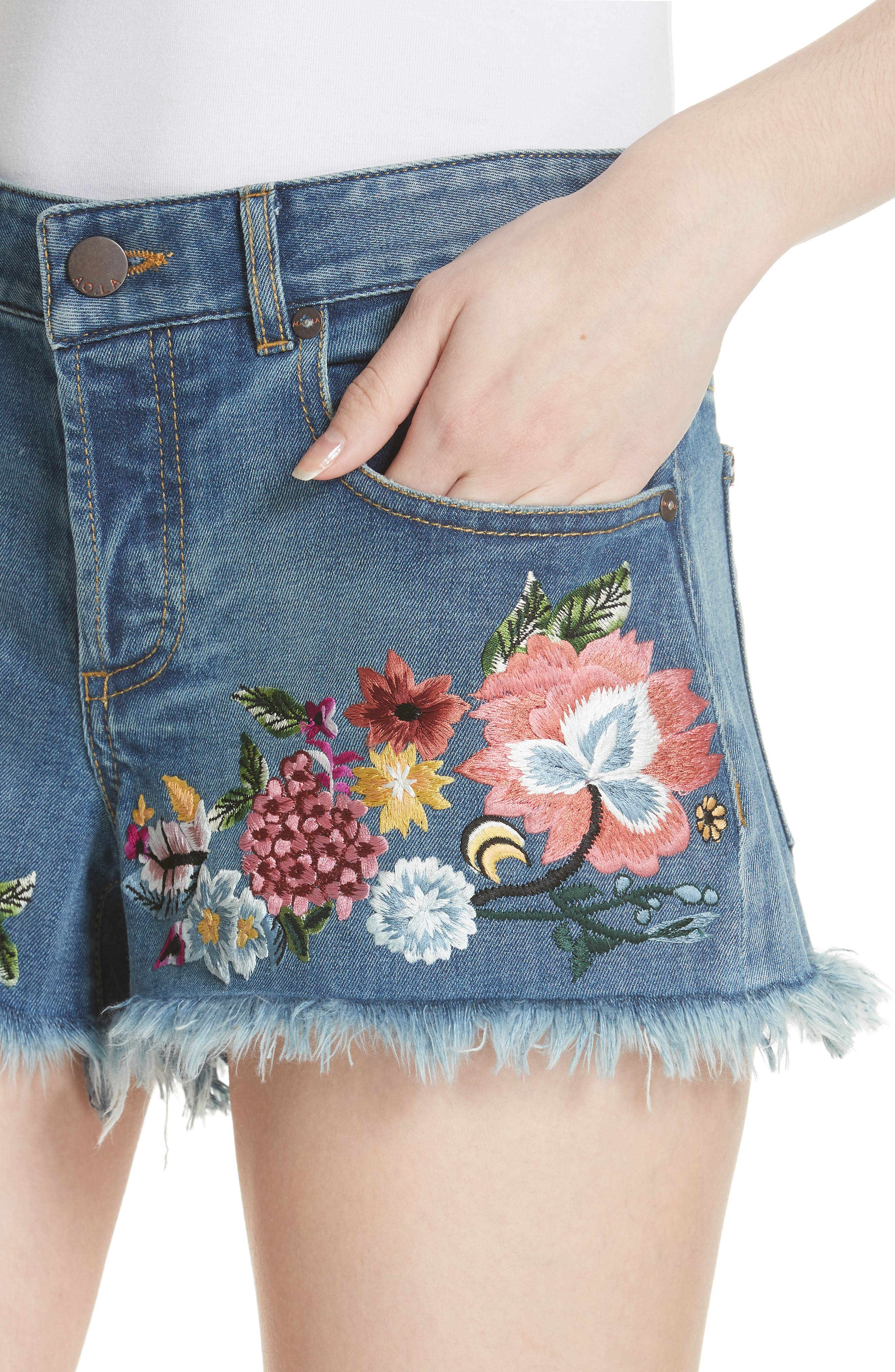 ALICE + OLIVIA JEANS,                             Embroidered Denim Shorts,                             Alternate thumbnail 4, color,                             460