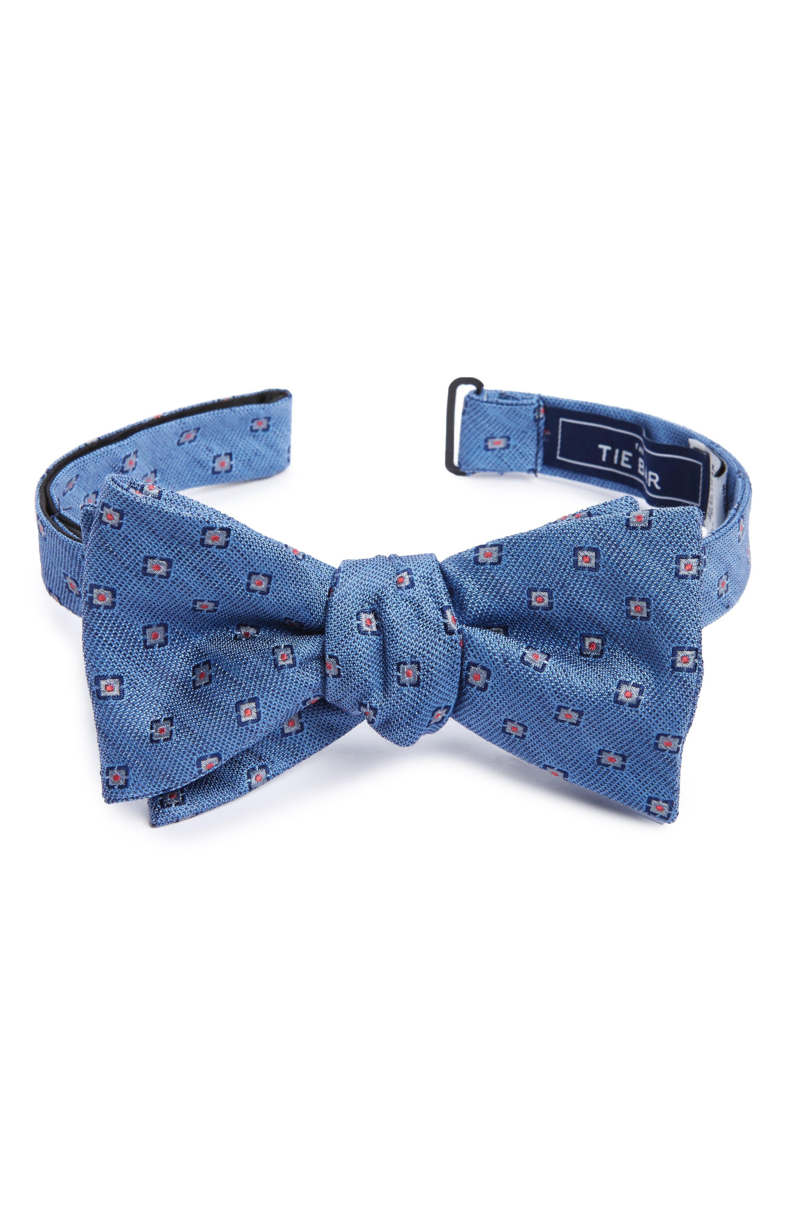 Medallion Scene Silk & Linen Bow Tie,                         Main,                         color, 450
