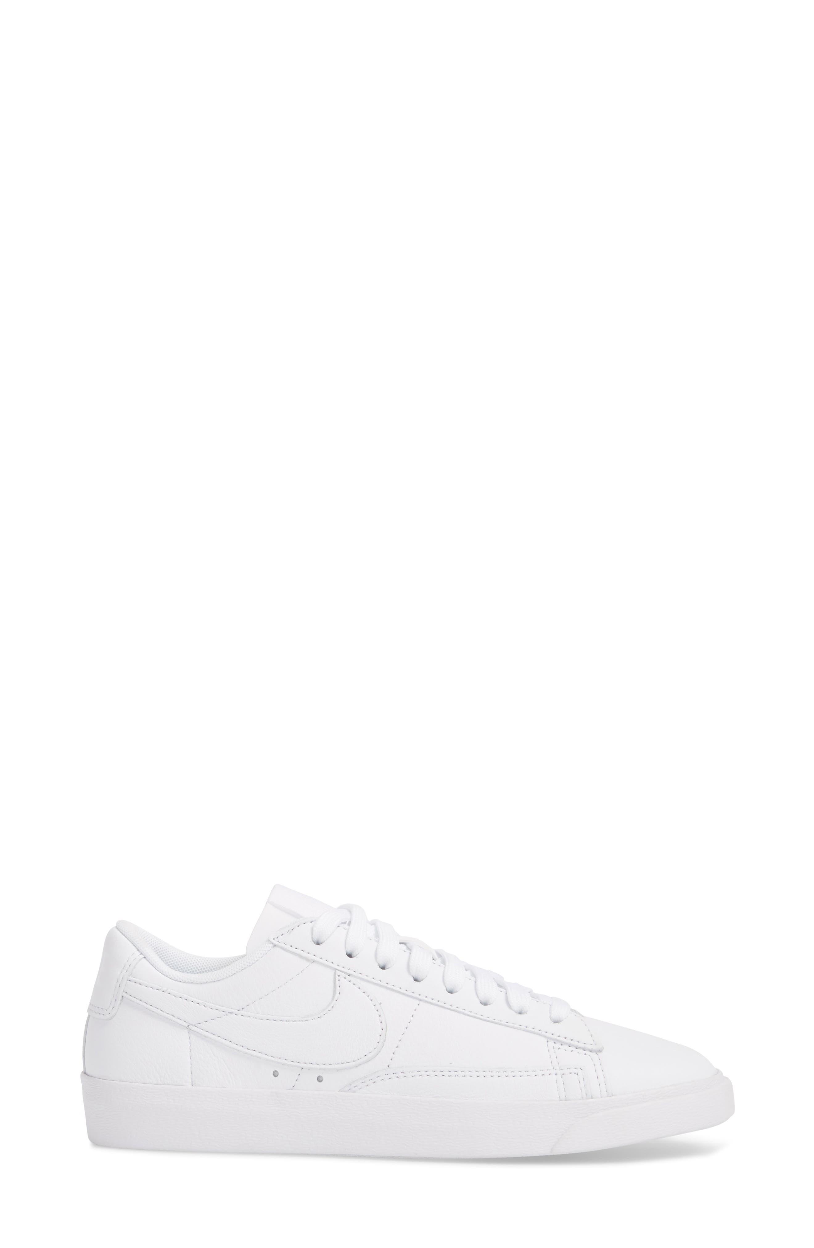 Blazer Low LE Sneaker,                             Alternate thumbnail 3, color,                             WHITE/ WHITE-WHITE