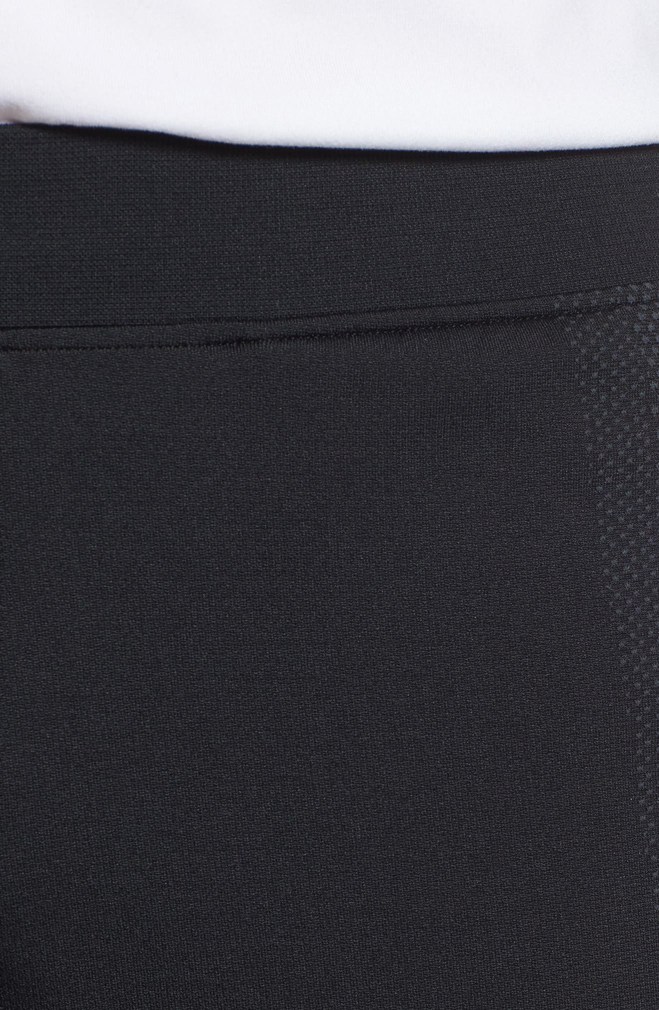 Threadborne Seamless Shorts,                             Alternate thumbnail 4, color,                             BLACK/ STEALTH GREH