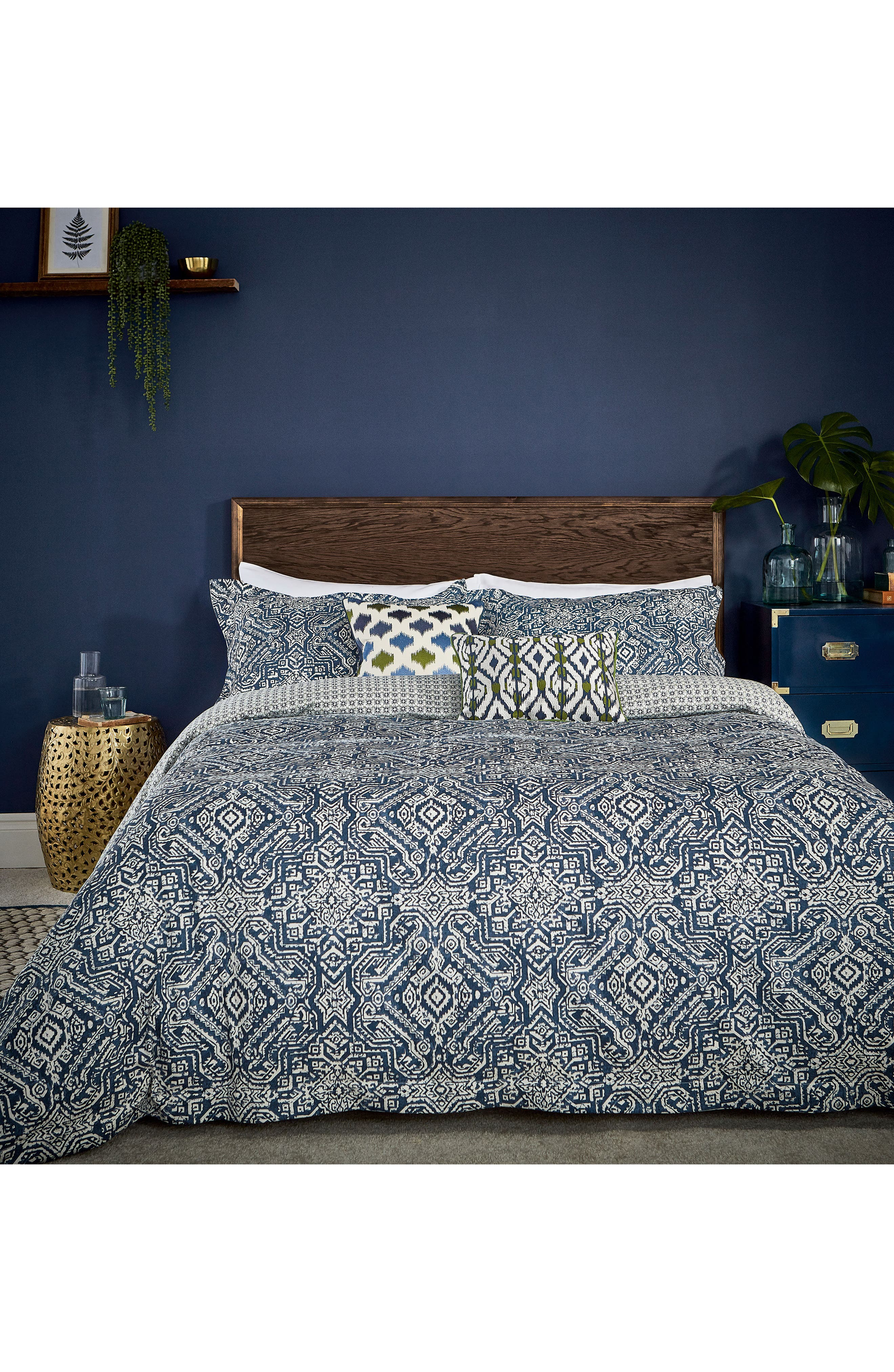 Bedeck Juma Comforter Sham  Accent Pillow Set Size King  Blue