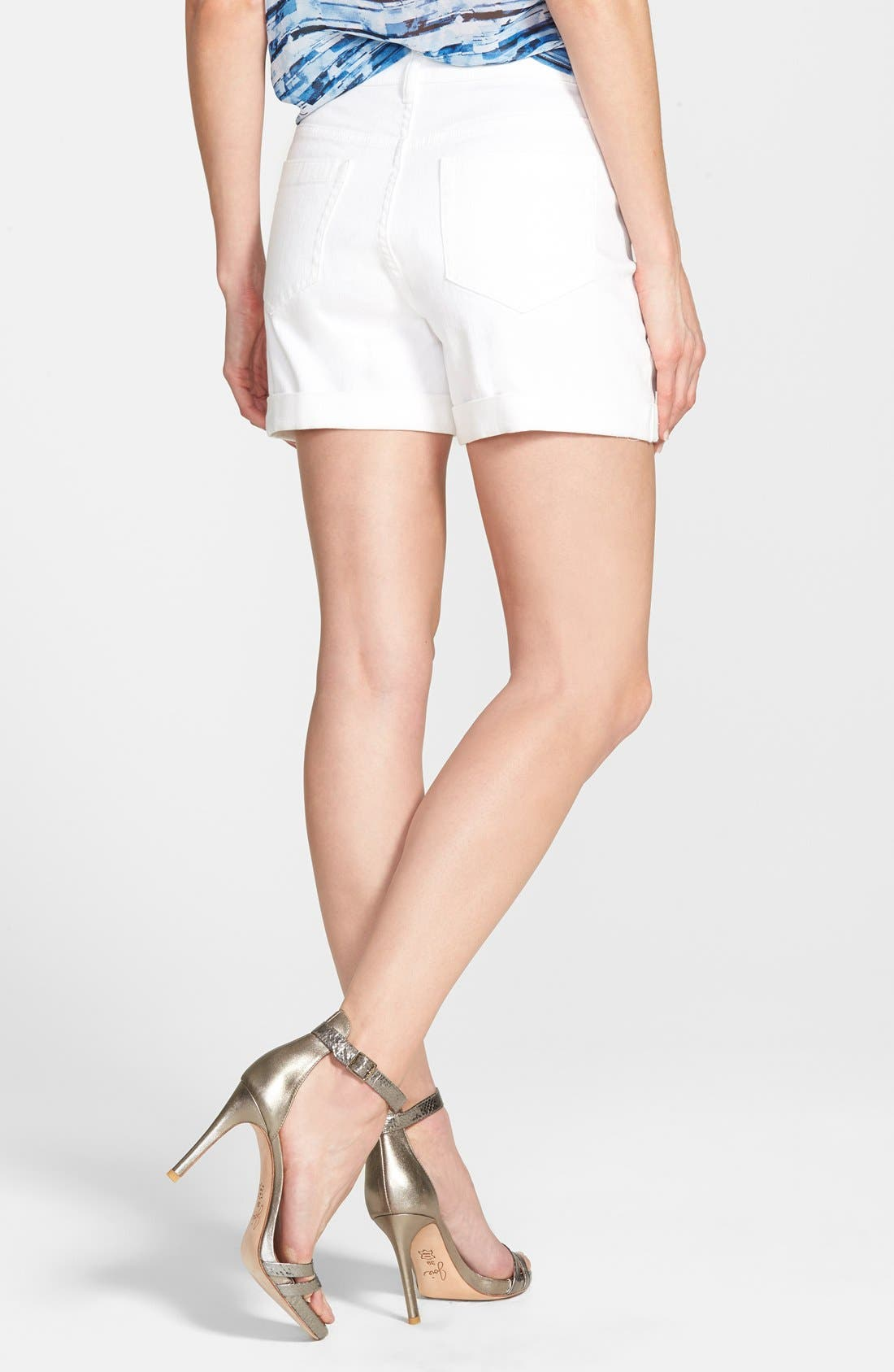 Two by Vince Camuto Five Pocket Denim Shorts,                             Alternate thumbnail 4, color,                             ULTRA WHITE