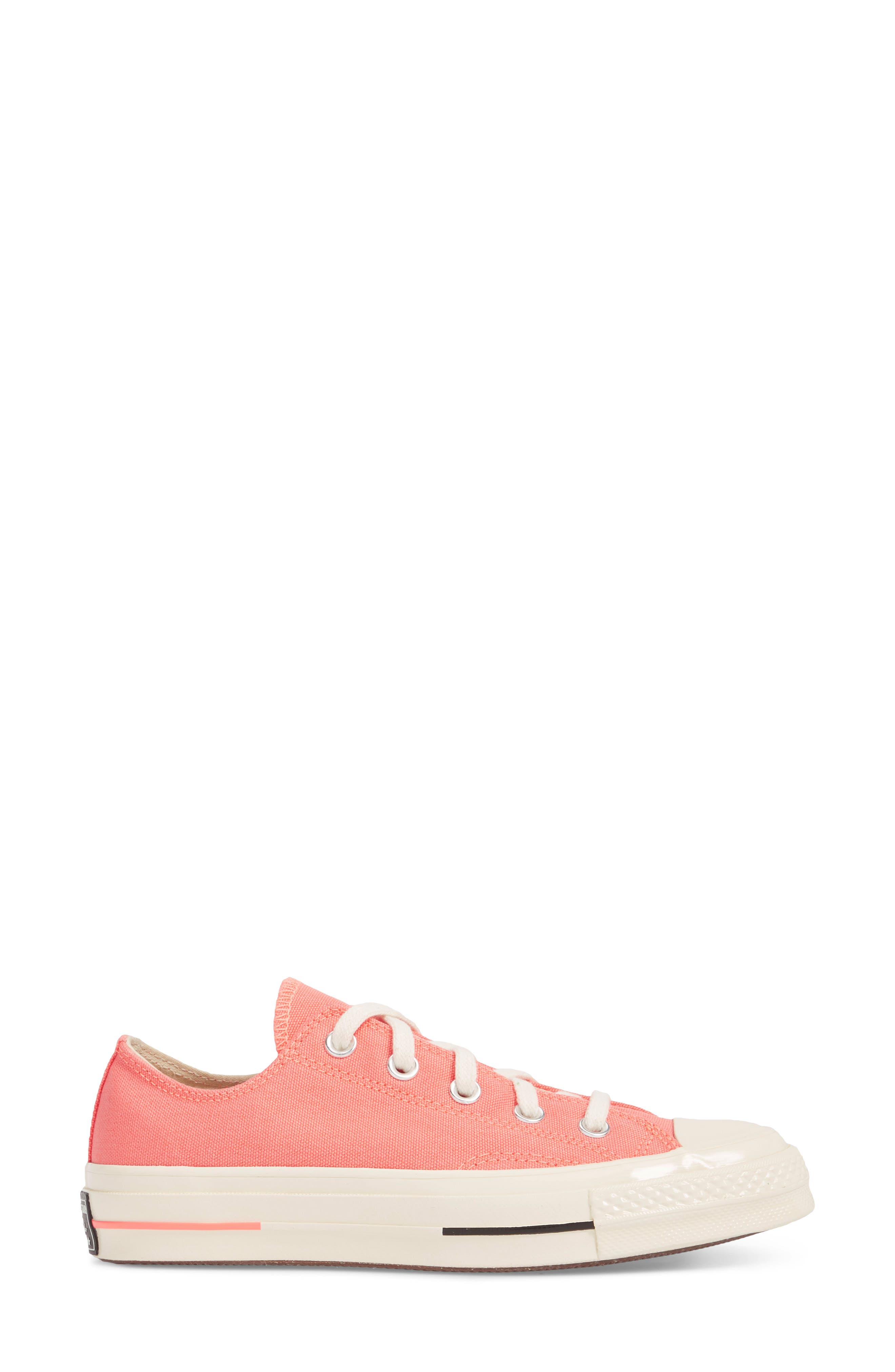 Chuck Taylor<sup>®</sup> All Star<sup>®</sup> '70s Brights Low Top Sneaker,                             Alternate thumbnail 3, color,                             CRIMSON PULSE