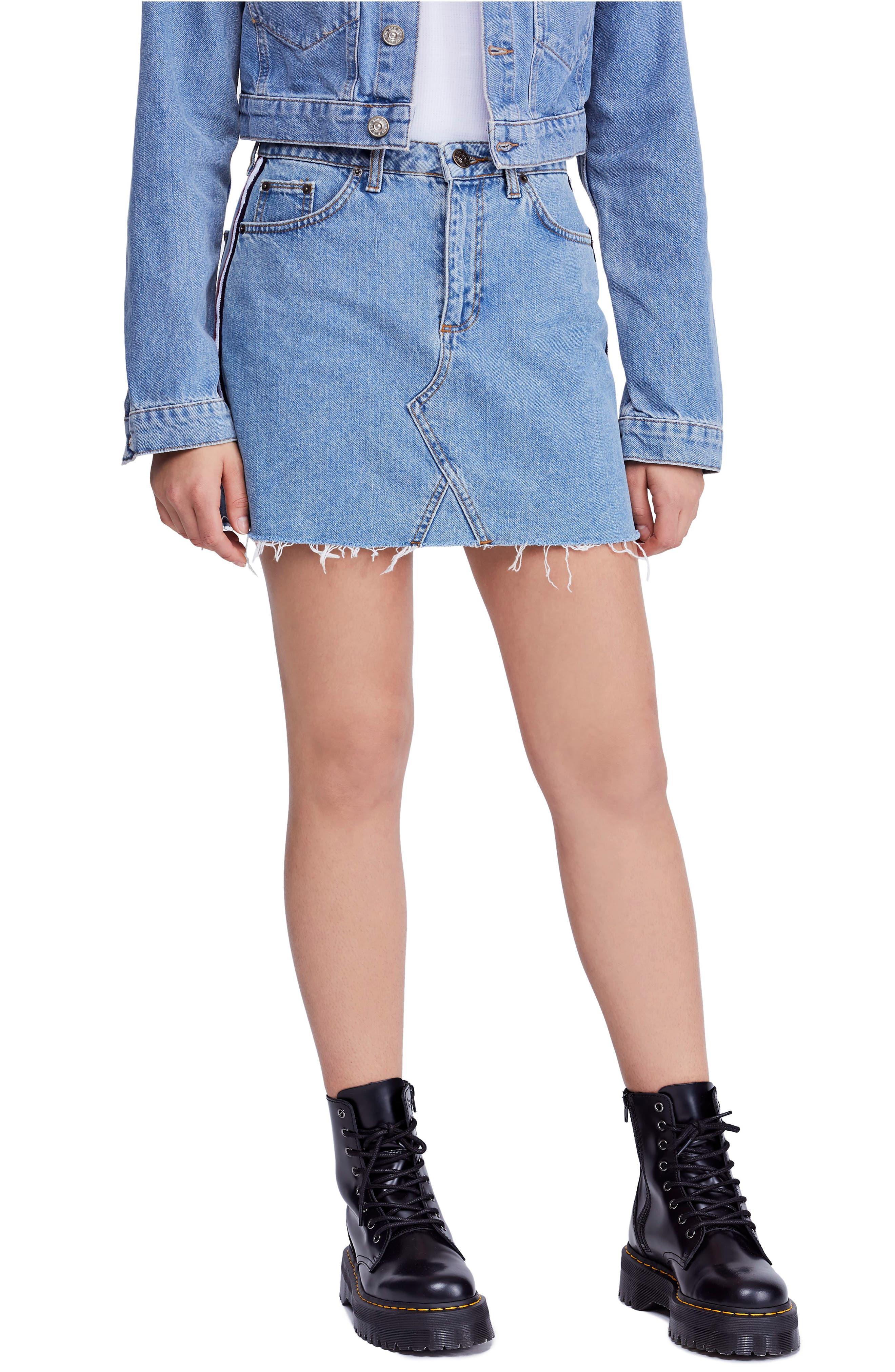 Bdg Urban Outfitters Side Stripe Denim Miniskirt, Blue