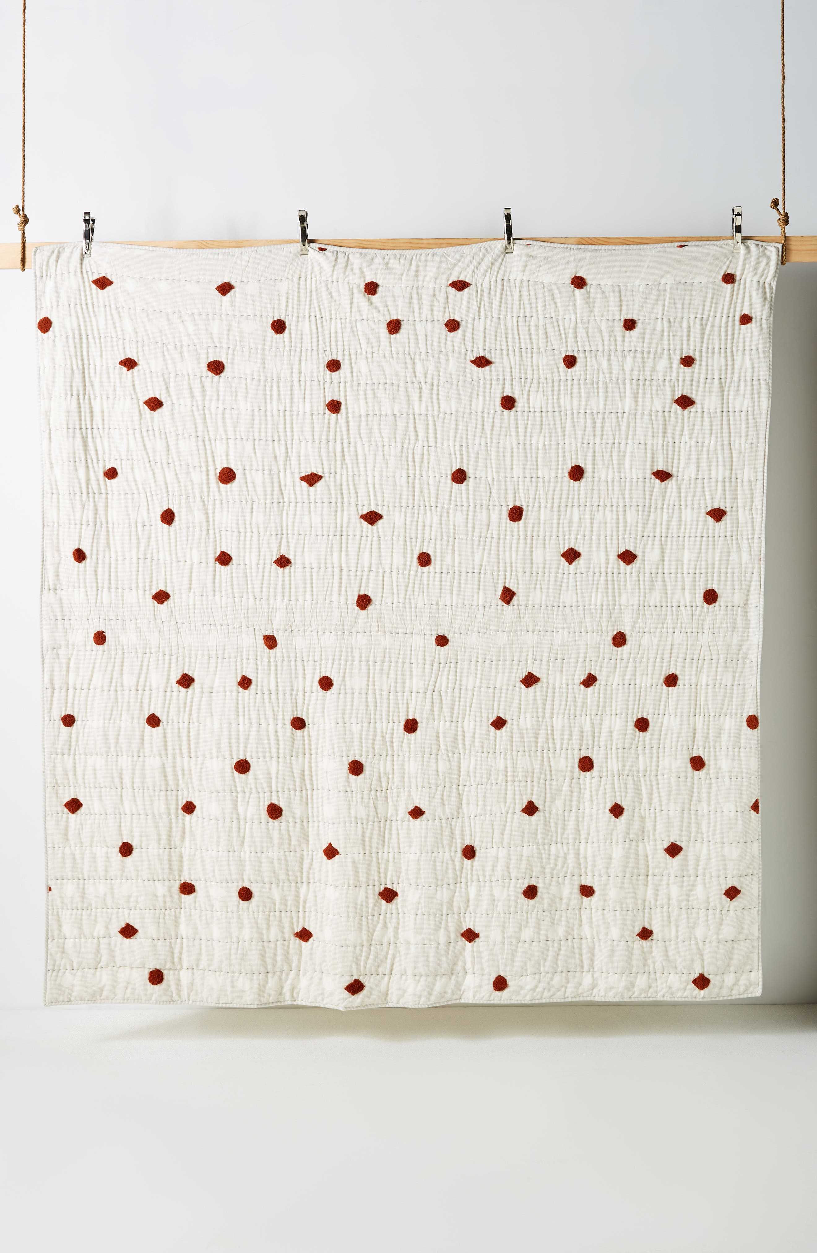 ANTHROPOLOGIE,                             Mesa Tufted Quilt,                             Alternate thumbnail 3, color,                             RUST
