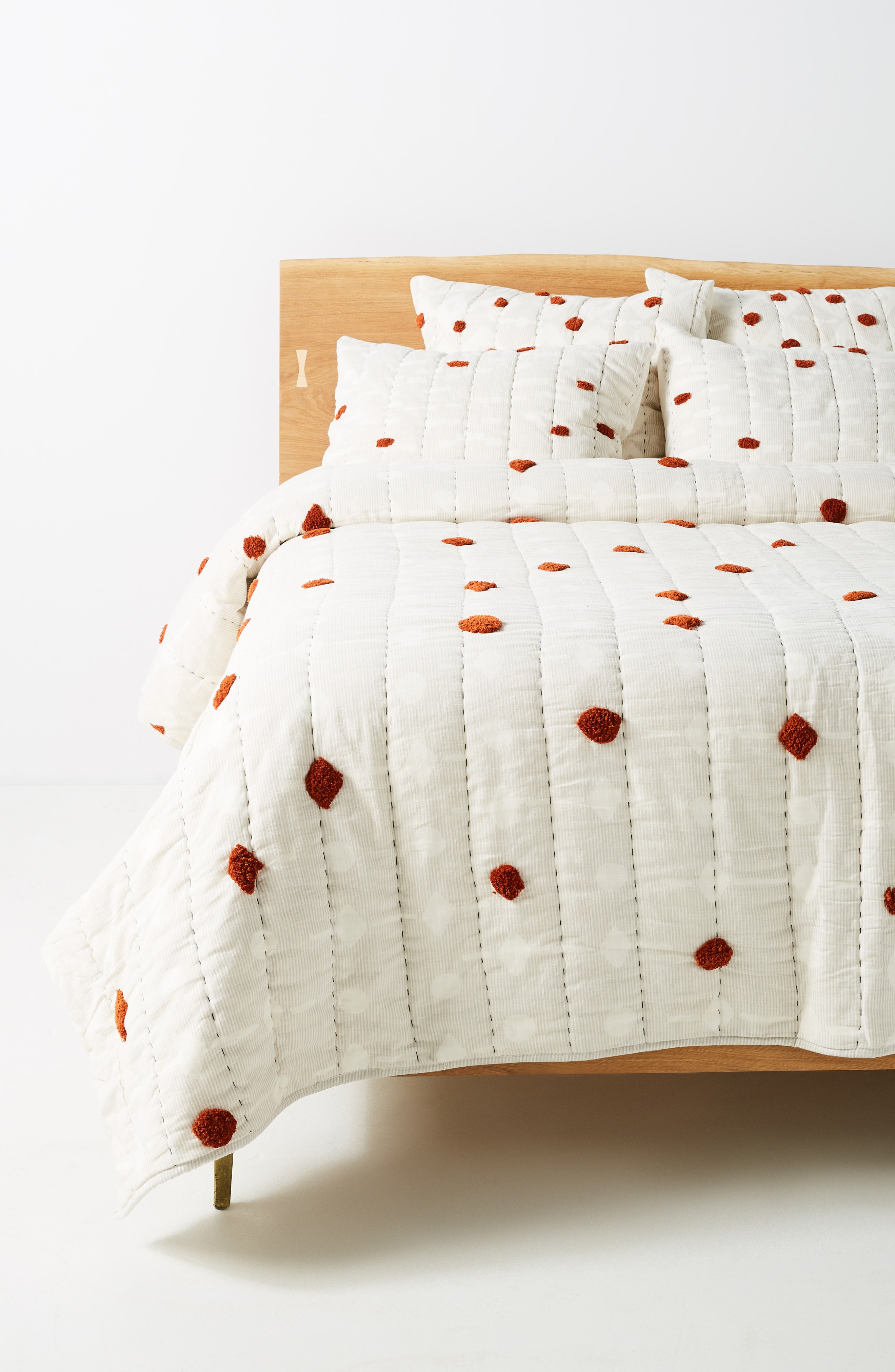 ANTHROPOLOGIE Mesa Tufted Quilt, Main, color, RUST