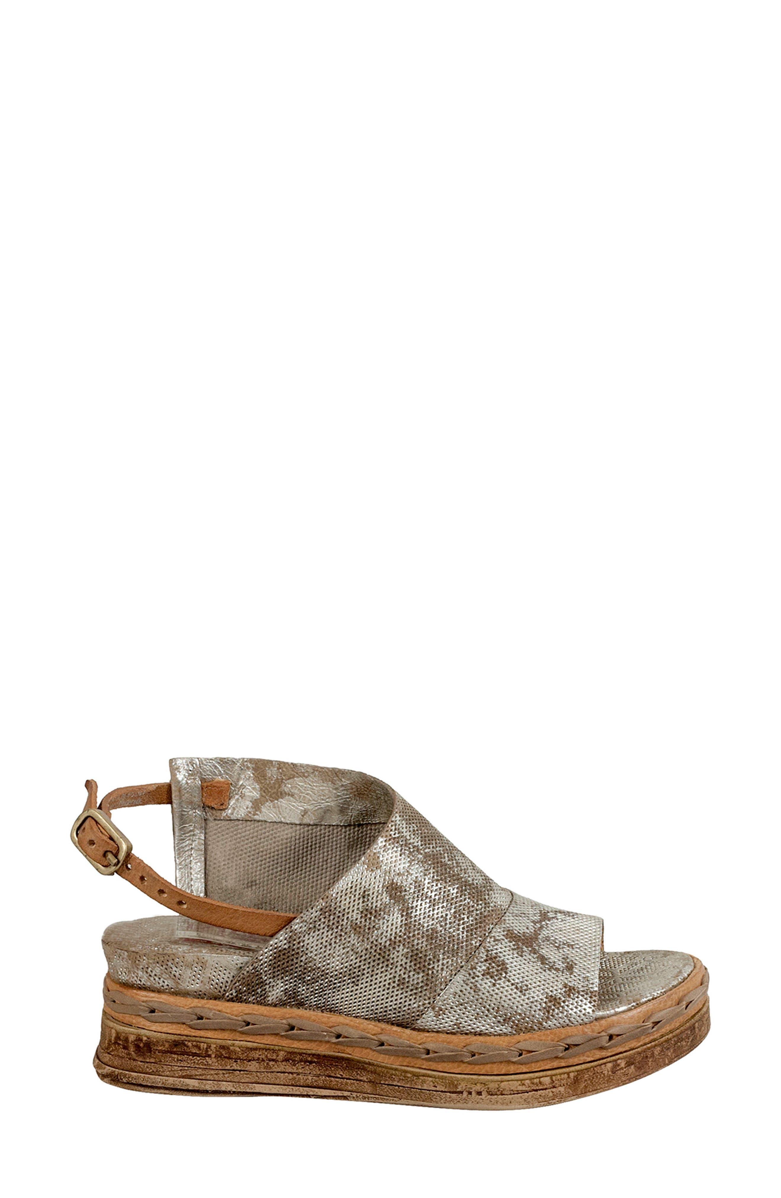 Lira Platform Sandal,                             Alternate thumbnail 3, color,                             042