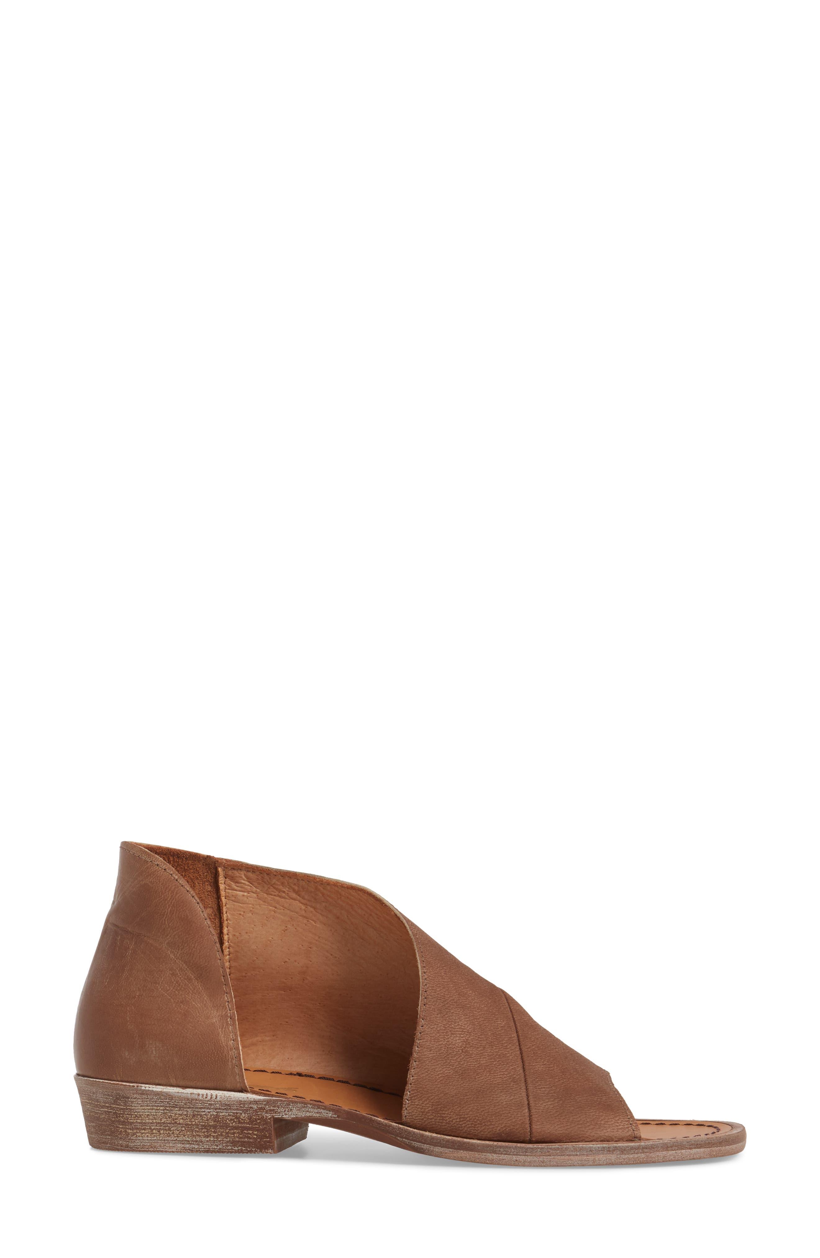 'Mont Blanc' Asymmetrical Sandal,                             Alternate thumbnail 39, color,