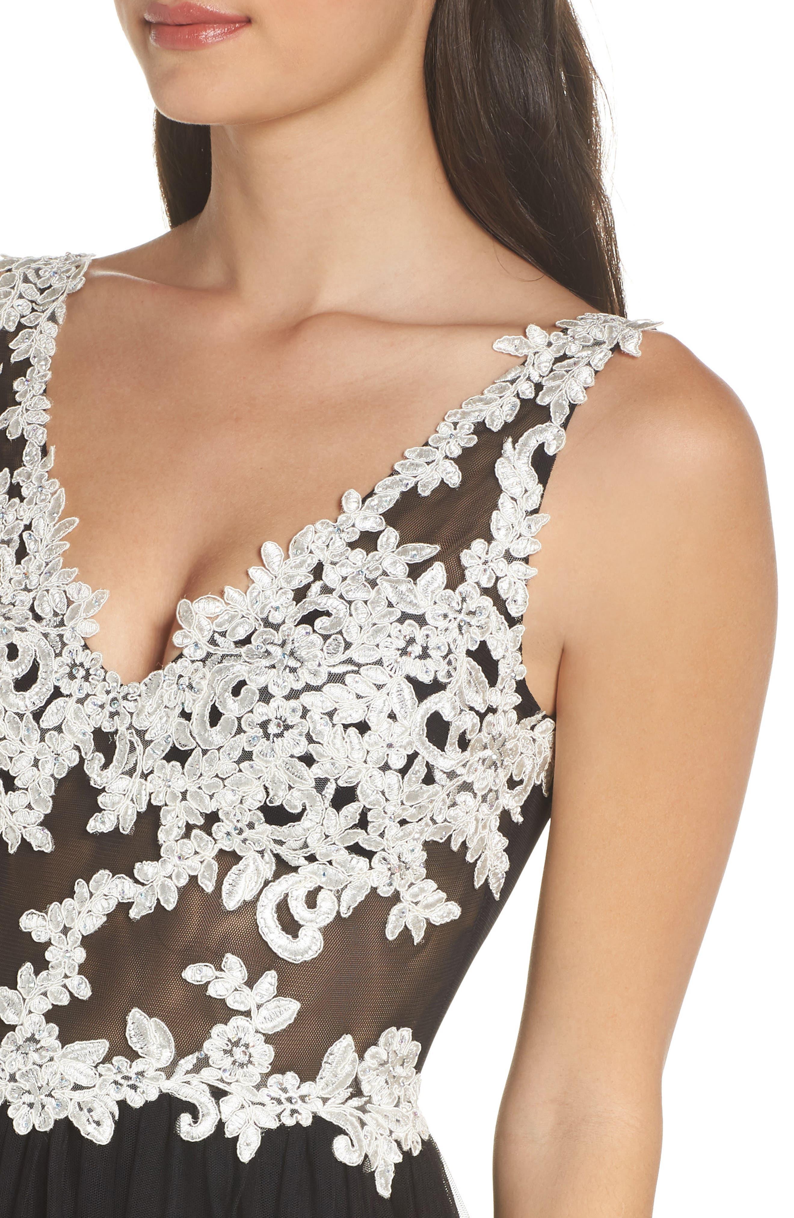 Floral Appliqué V-Neck Gown,                             Alternate thumbnail 4, color,                             BLACK/ WHITE