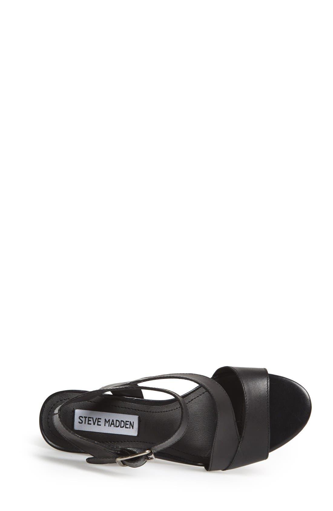 STEVE MADDEN,                             'Stipend' Wedge Leather Sandal,                             Alternate thumbnail 3, color,                             001