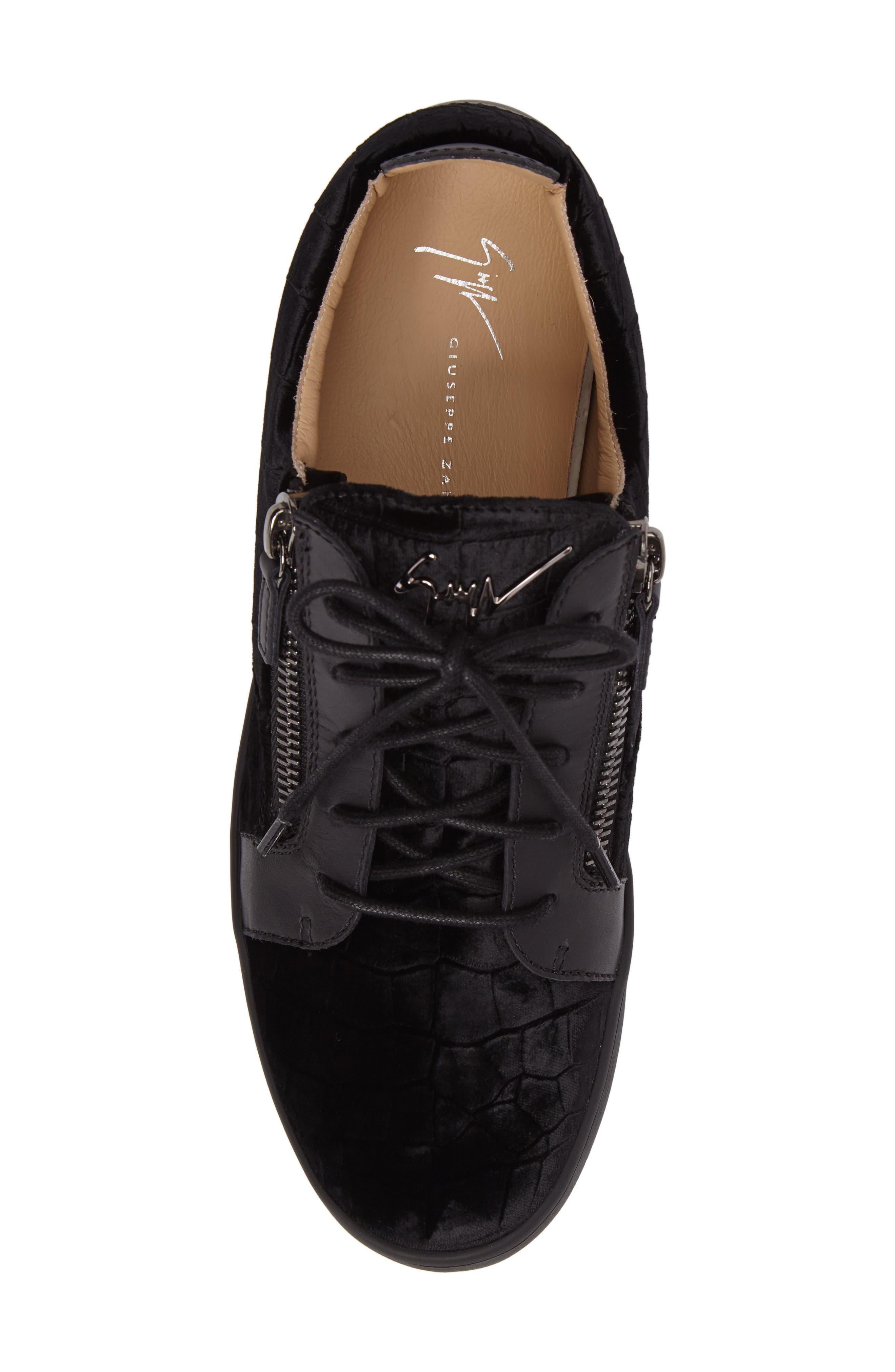Low Top Sneaker,                             Alternate thumbnail 5, color,                             001