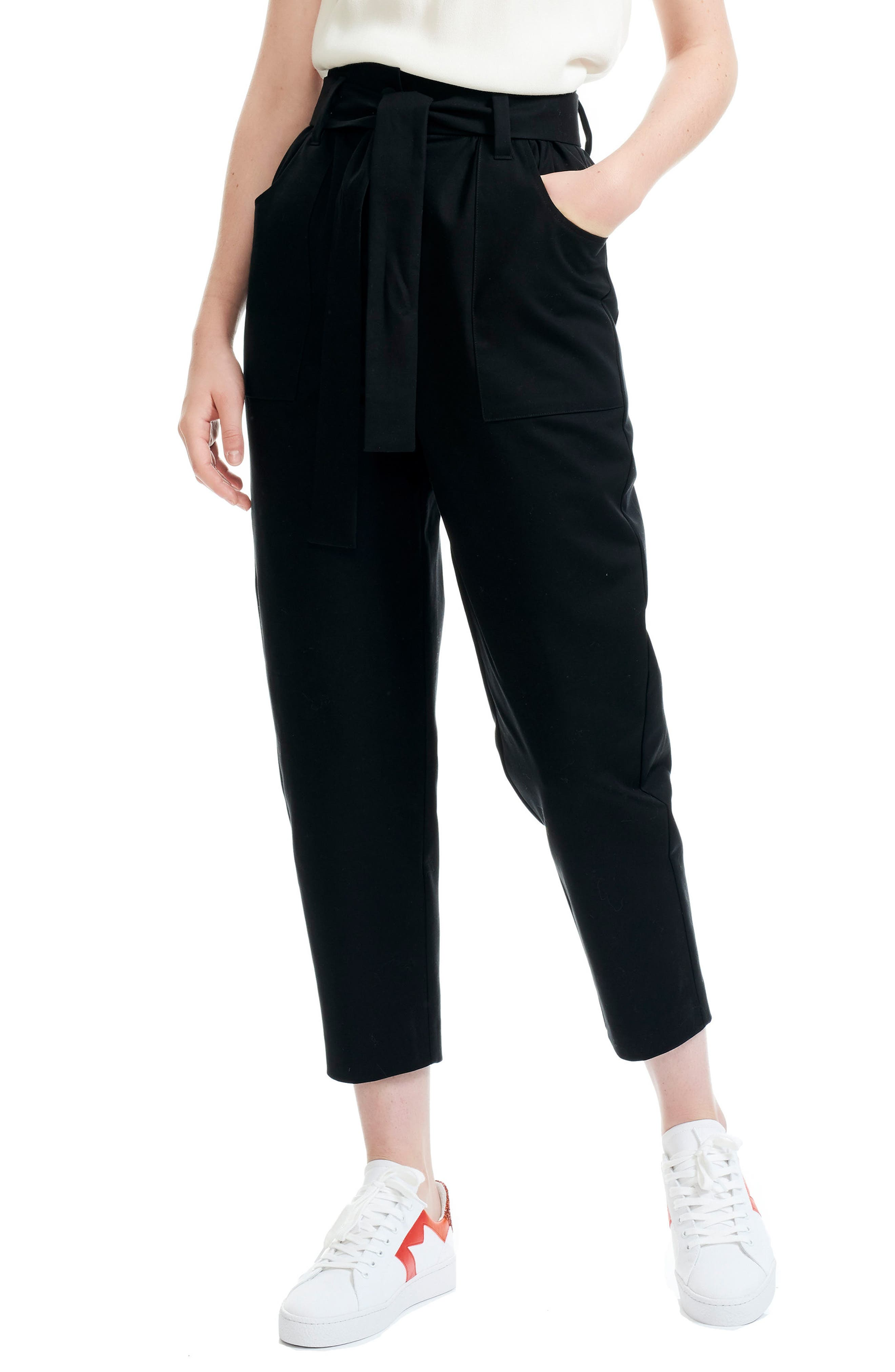 Pio Cropped Tapered Pants in Black