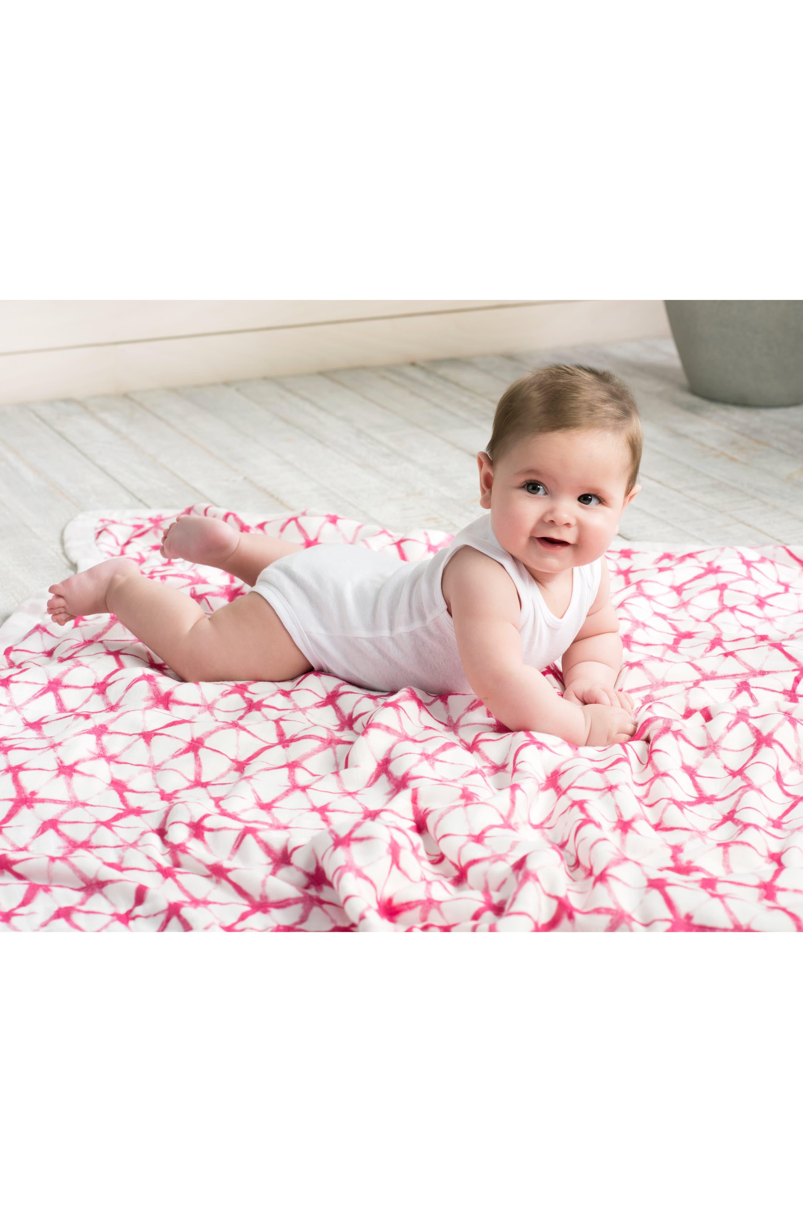 Silky Soft Dream Blanket<sup>™</sup>,                             Alternate thumbnail 3, color,                             BERRY SHIBORI