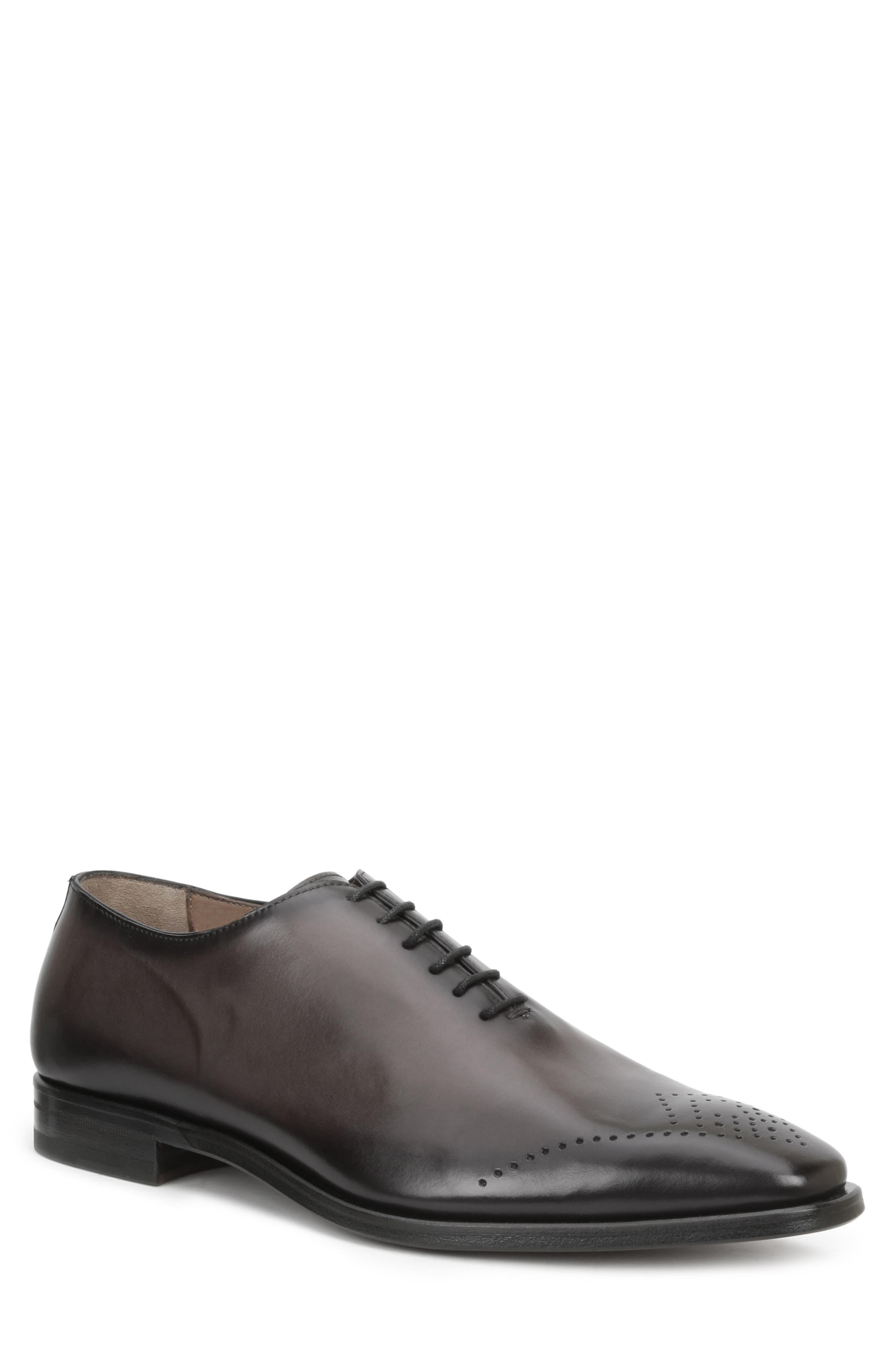 Claudio Medallion Toe Leather Oxfords in Dark Grey