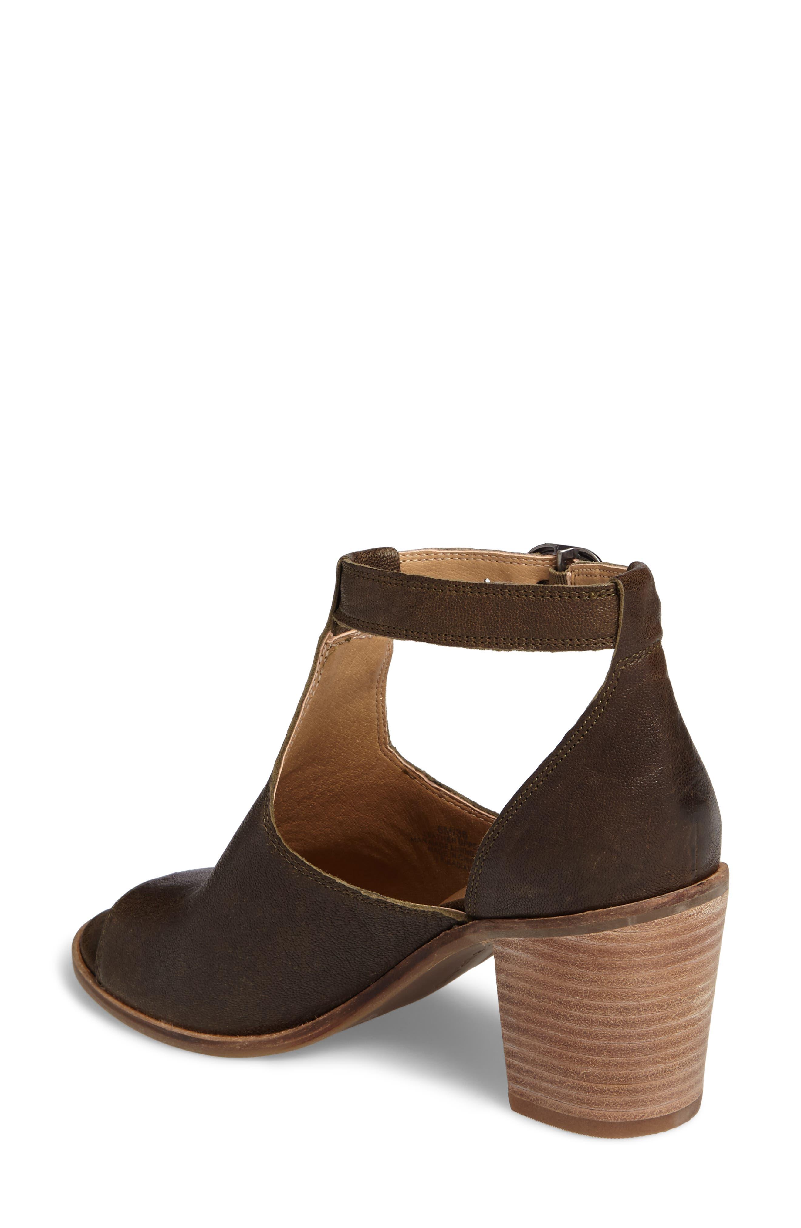 Kadian Block Heel Sandal,                             Alternate thumbnail 4, color,