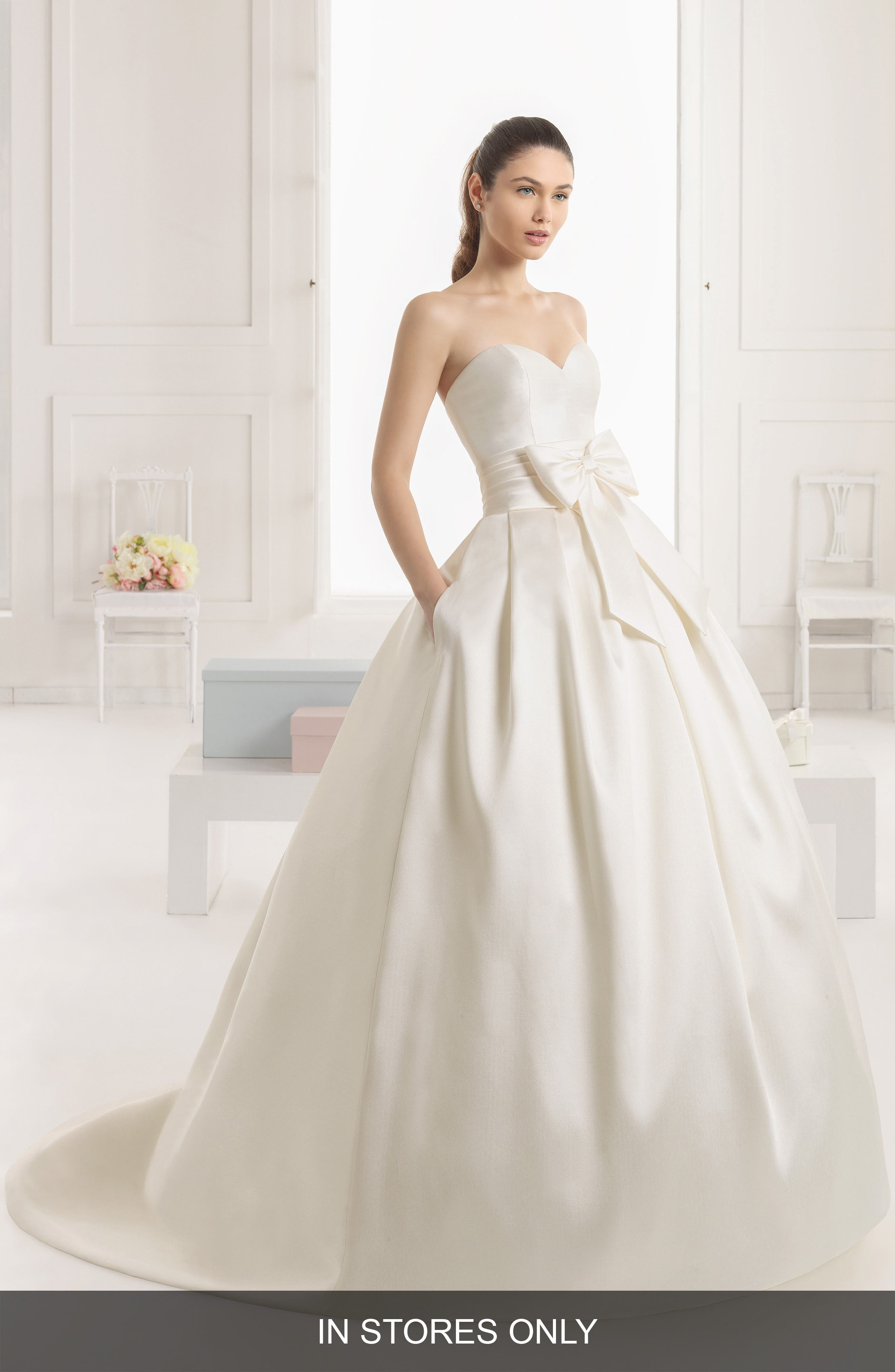 Rosa Clará Enebro Strapless Bow Ballgown Dress,                             Alternate thumbnail 5, color,                             IVORY