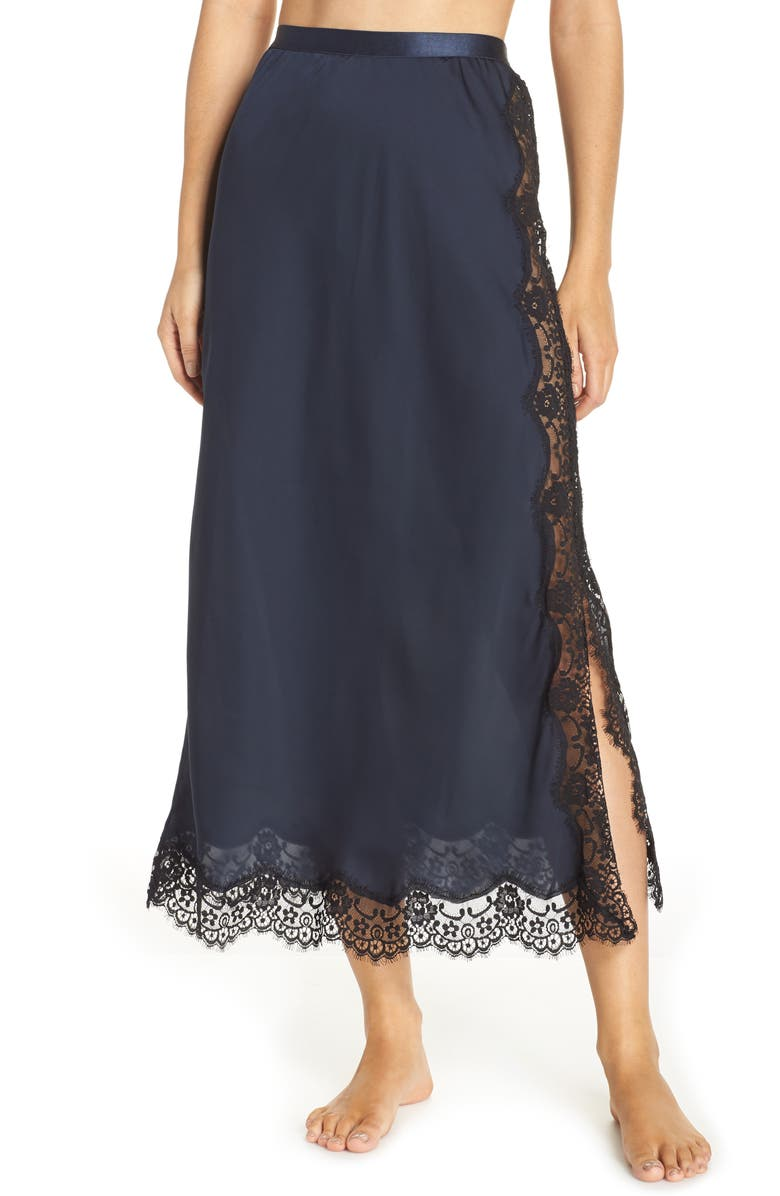 Halogen® x Atlantic-Pacific Lace Trim Half Slip | Nordstrom