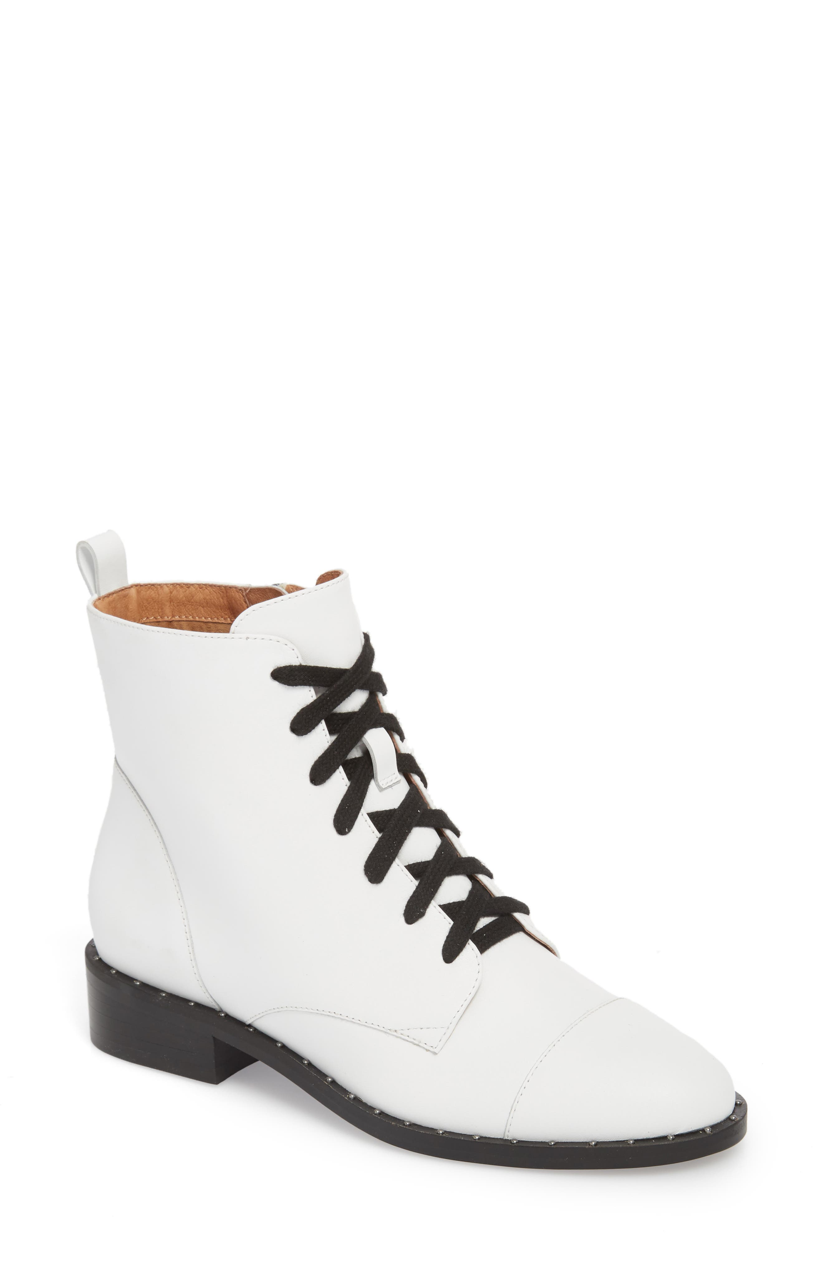 Halogen Layla Boot- White