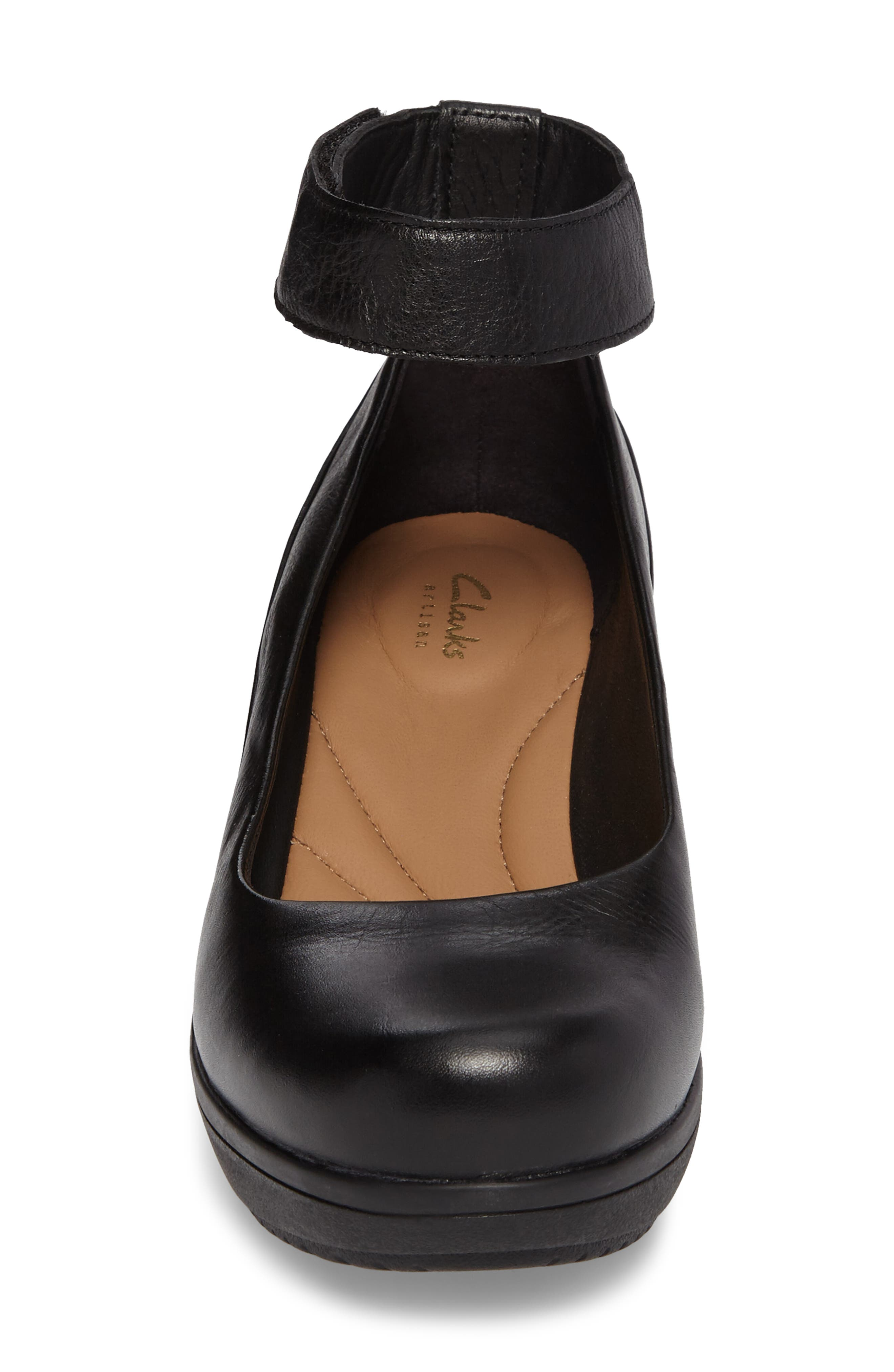 Wynnmere Fox Ankle Strap Pump,                             Alternate thumbnail 4, color,                             BLACK LEATHER