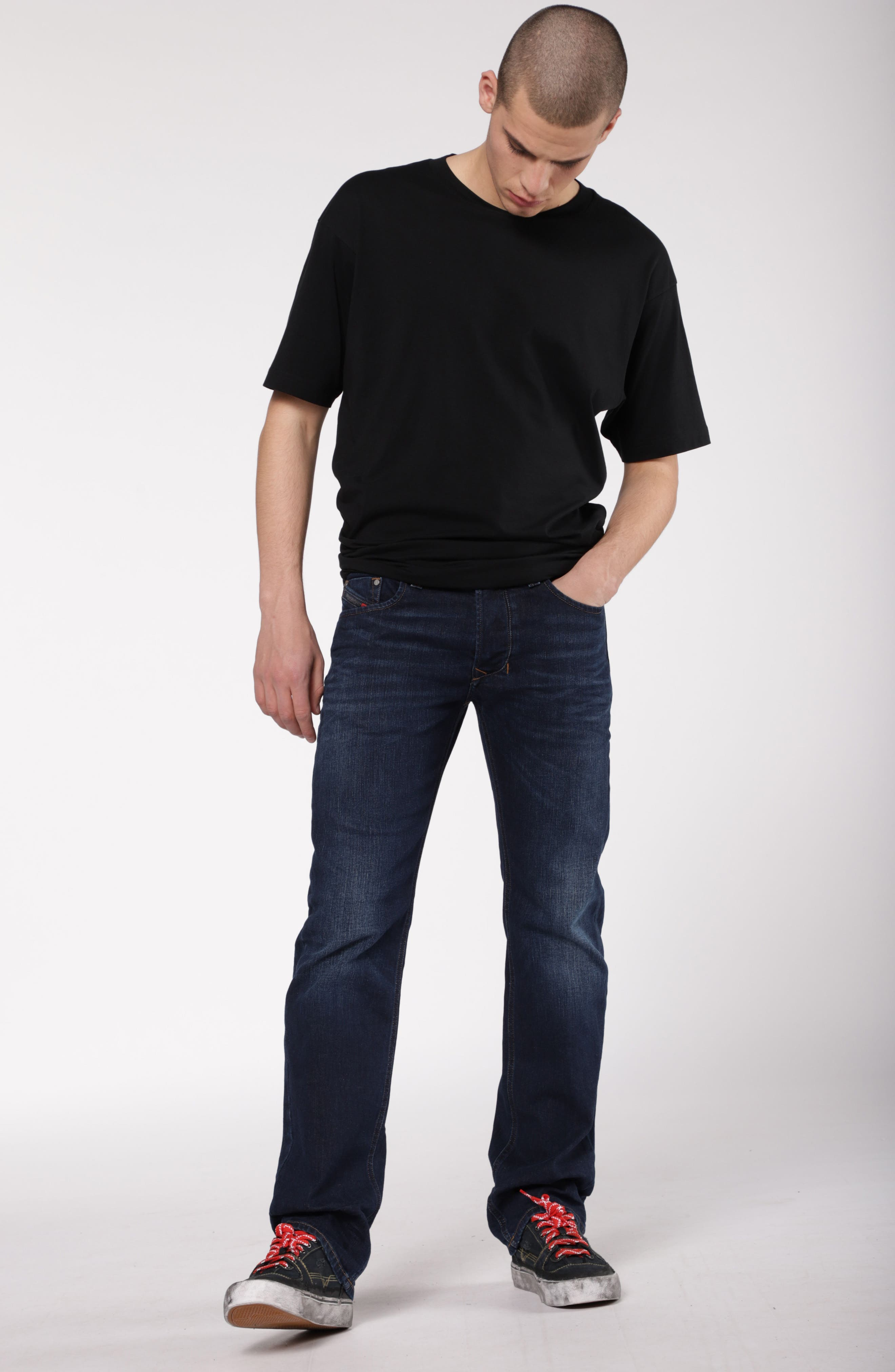 Larkee Relaxed Fit Jeans,                             Alternate thumbnail 5, color,                             084VG