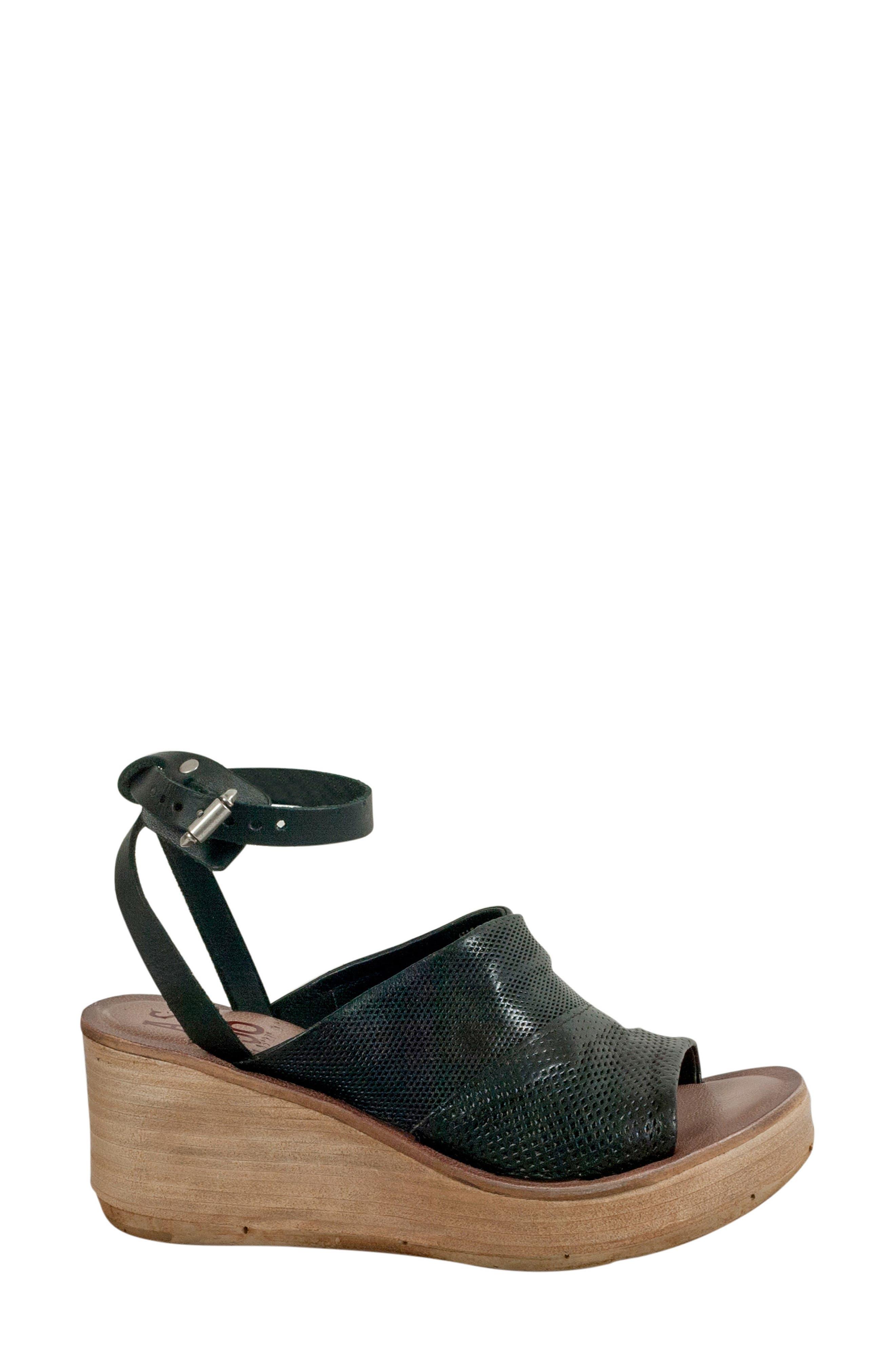 Niall Platform Wedge Sandal,                             Alternate thumbnail 5, color,