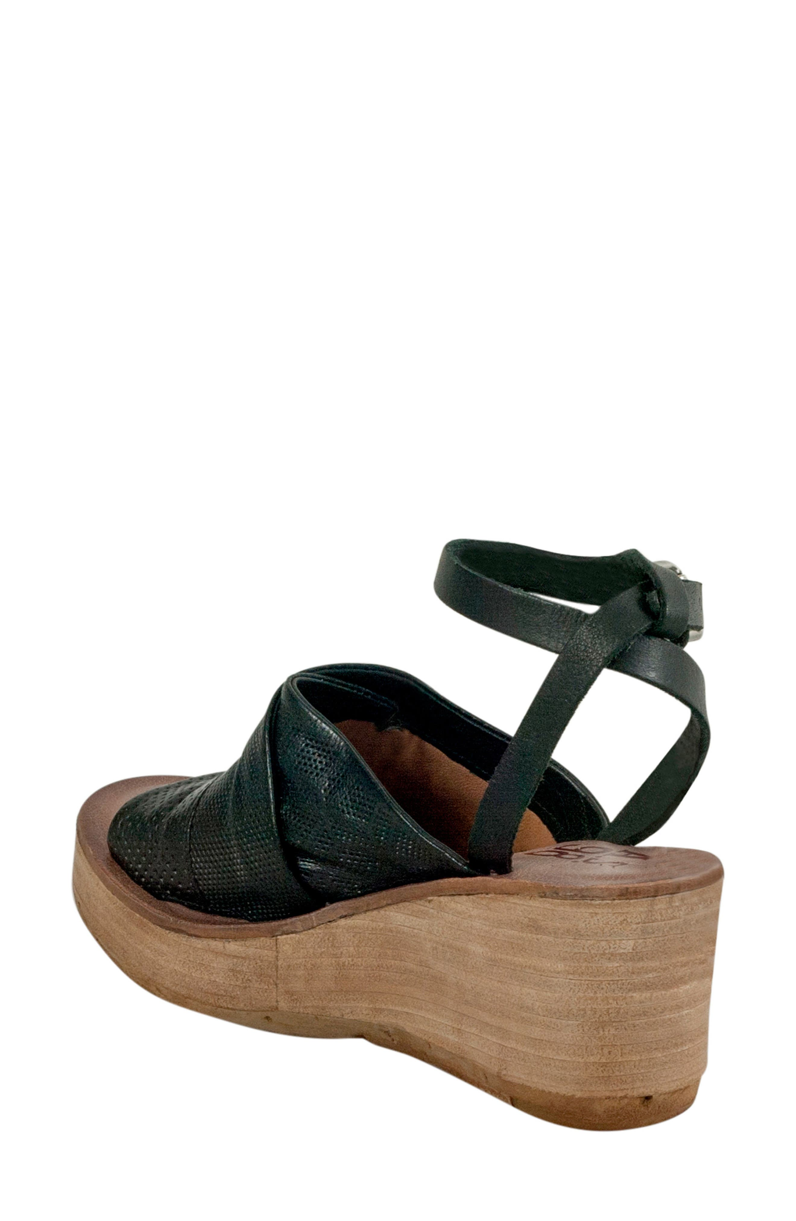 Niall Platform Wedge Sandal,                             Alternate thumbnail 3, color,