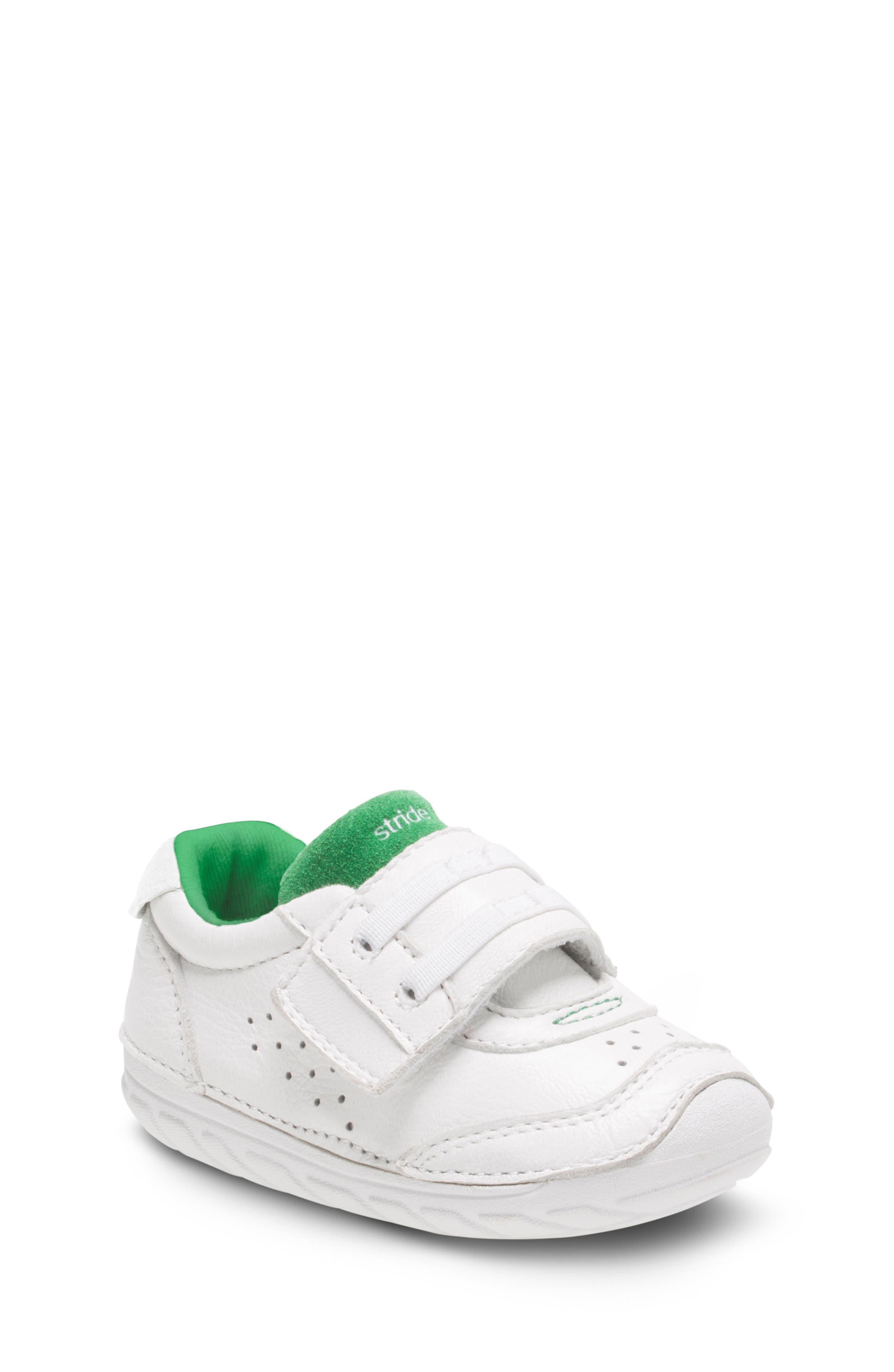 Soft Motion Wyatt Sneaker,                         Main,                         color, WHITE