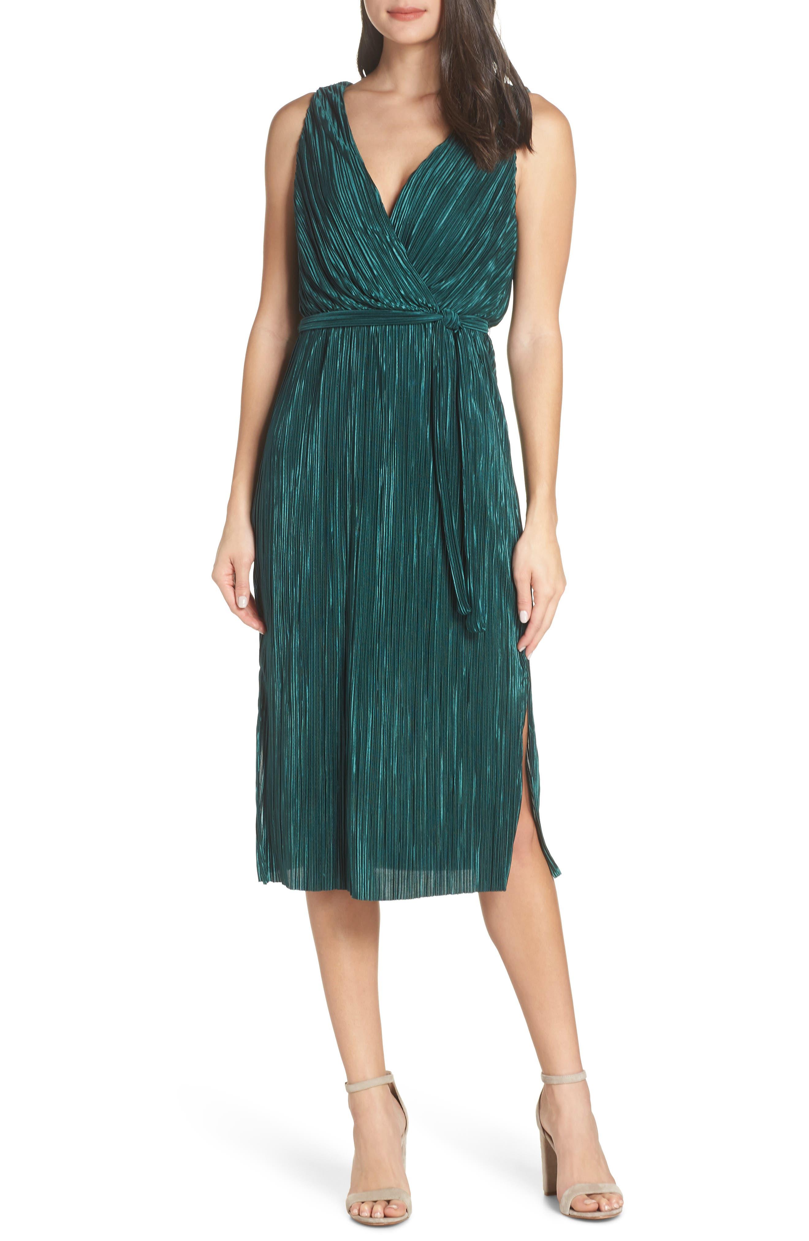 Bb Dakota Sleeveless Pleated Dress
