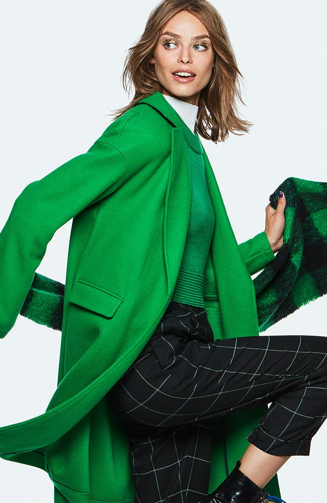 Pop it. Discover the new campaign from Topshop.