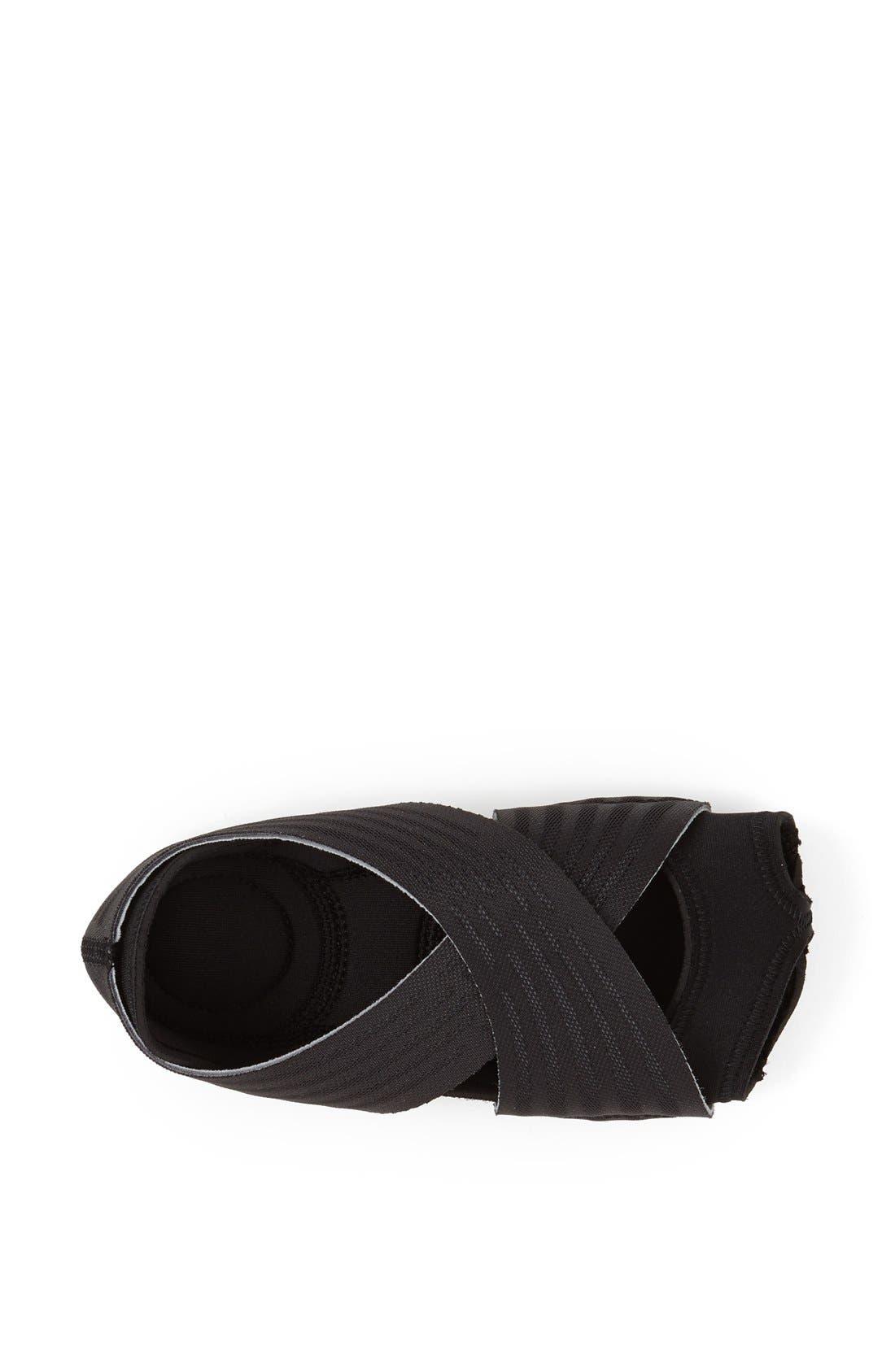 'Studio Wrap 2' Yoga Training Shoe,                             Alternate thumbnail 4, color,                             010
