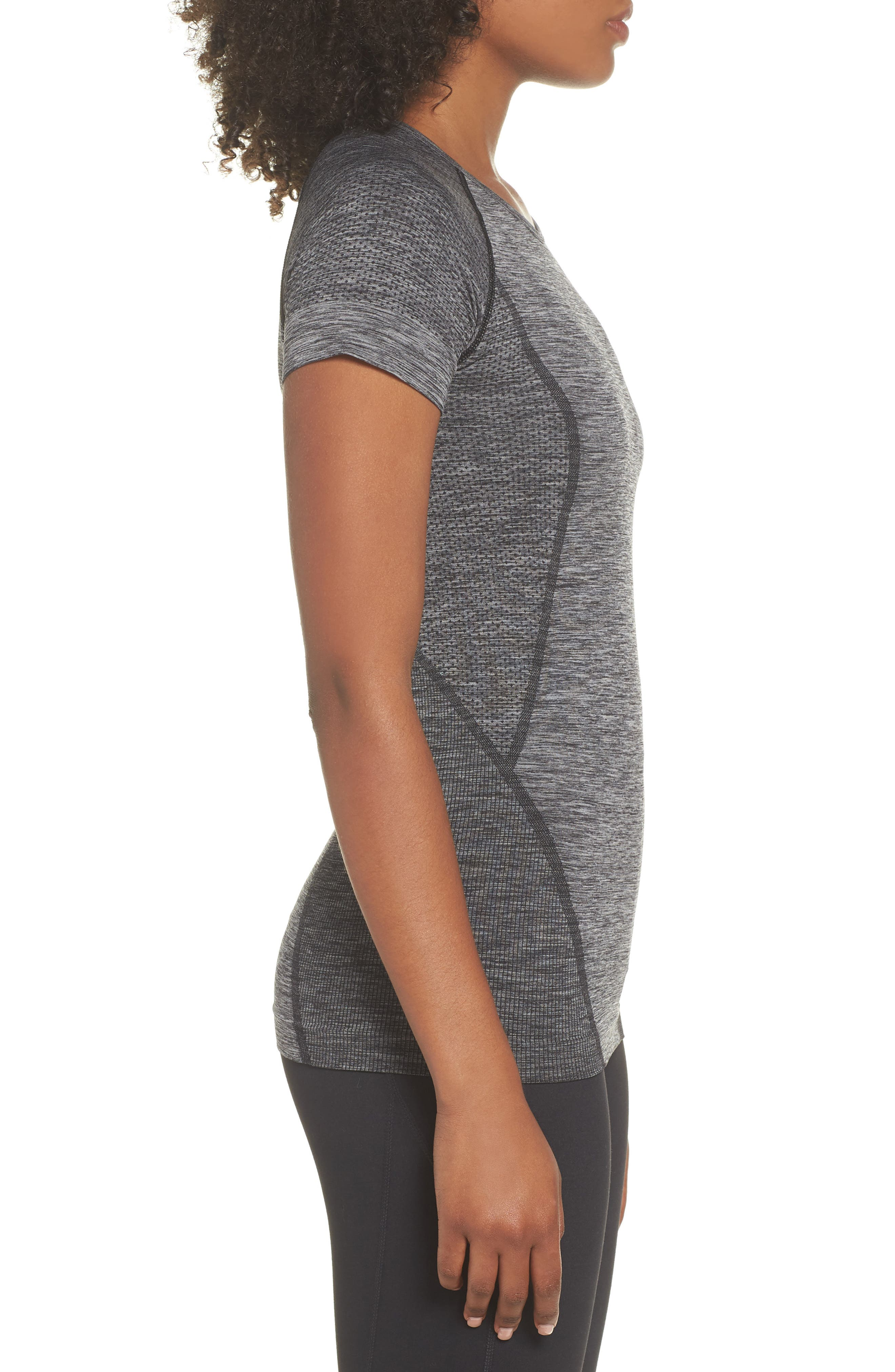 Stand Out Seamless Training Tee,                             Alternate thumbnail 3, color,                             BLACK