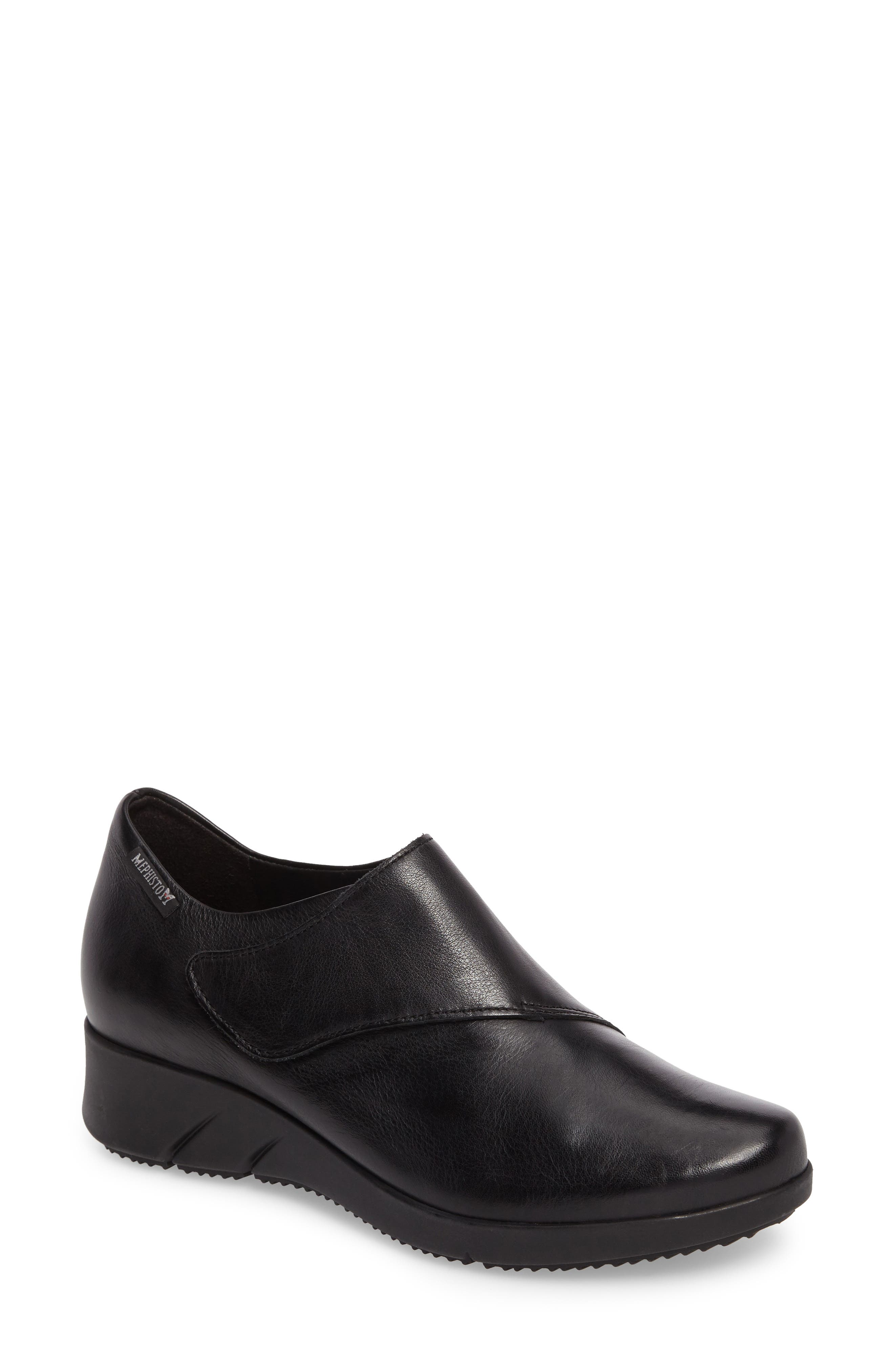Marisa Flat in Black Calfskin Leather