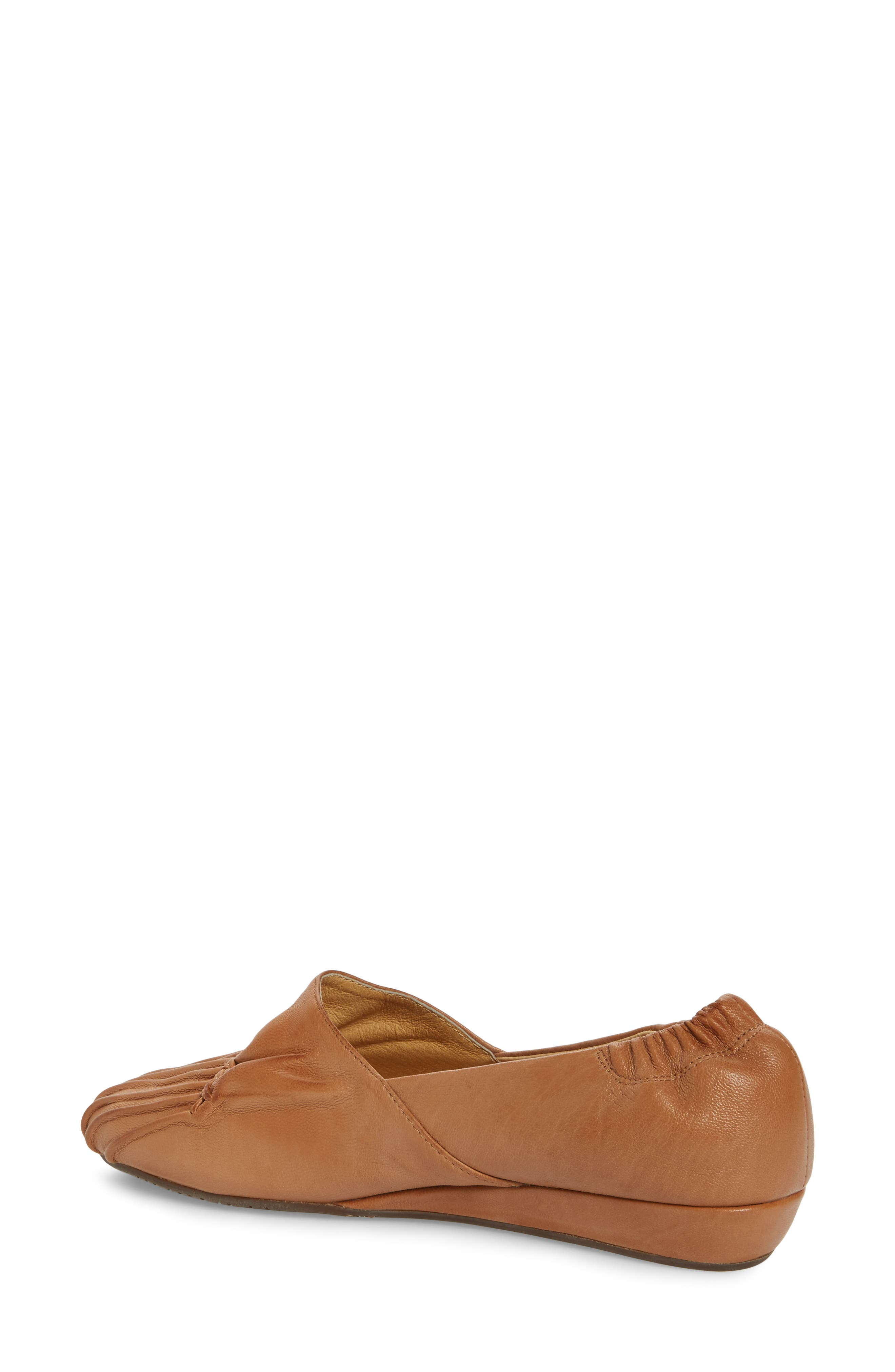 Vic Low Pleated Wedge,                             Alternate thumbnail 2, color,                             200