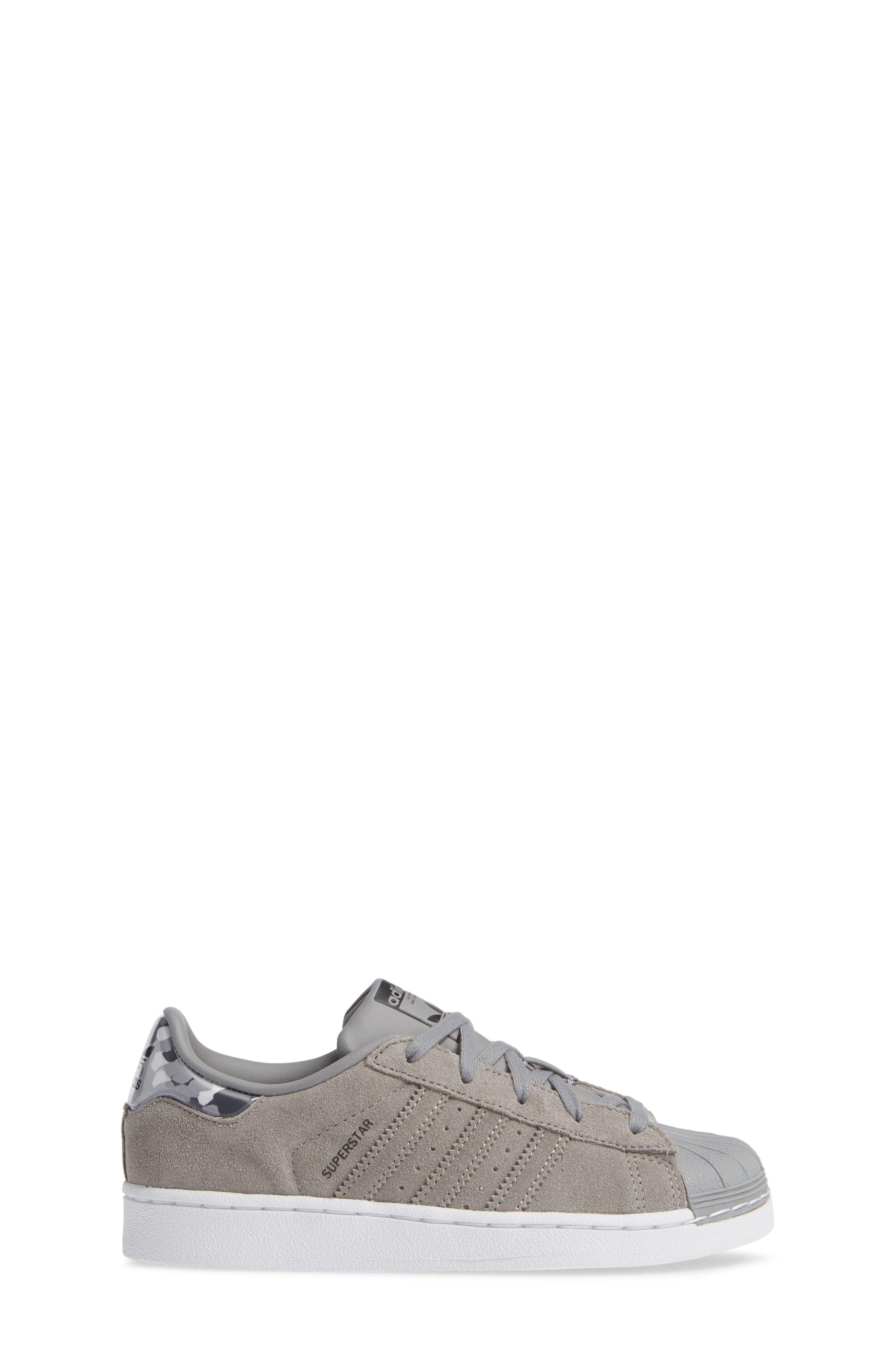 Superstar Low Top Sneaker,                             Alternate thumbnail 3, color,                             020